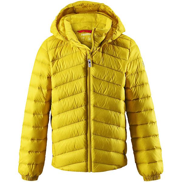 Куртка Reima Falk для мальчикаОдежда<br>Характеристики товара:<br><br>• цвет: желтый;<br>• состав: 100% полиамид;<br>• подкладка: 100% полиэстер;<br>• утеплитель: 80% пух, 20% перо;<br>• сезон: зима;<br>• температурный режим: от 0 до -10С;<br>• воздухопроницаемость: 3000 мм;<br>• пуховая куртка для подростков;<br>• водоотталкивающий, ветронепроницаемый дышащий и грязеотталкивающий материал;<br>• гладкая подкладка из полиэстера;<br>• безопасный, съемный капюшон;<br>• эластичные манжеты;<br>• два боковых кармана;<br>• куртку можно хранить в специальной сумке, которая идет в комплекте;<br>• светоотражающие детали;<br>• страна бренда: Финляндия;<br>• страна изготовитель: Китай.<br><br>Куртка-пуховик для подростков сшита из водоотталкивающего, ветронепроницаемого и дышащего материала. Благодаря гладкому материалу подкладки, куртка легко надевается, а удобная двусторонняя молния превратит одевание в веселую игру. . Эластичный край подола и поясок на спинке придают этой стильной удлиненной куртке красивый силуэт. <br><br>Куртка снабжена безопасным съемным капюшоном. Обратите внимание на удобную петельку, спрятанную в кармане с клапаном – к ней можно прикрепить любимый светоотражатель ребенка для обеспечения лучшей видимости. В комплекте с курткой идет отдельная сумка для ее хранения. Роскошная, модная, легкая и теплая куртка станет отличным вариантом и для игр во дворе, и для прогулок по городу.<br><br>Куртку Falk для мальчика Reima от финского бренда Reima (Рейма) можно купить в нашем интернет-магазине.<br>Ширина мм: 356; Глубина мм: 10; Высота мм: 245; Вес г: 519; Цвет: желтый; Возраст от месяцев: 156; Возраст до месяцев: 168; Пол: Мужской; Возраст: Детский; Размер: 164,104,158,152,146,140,116,110,134,128,122; SKU: 6902956;