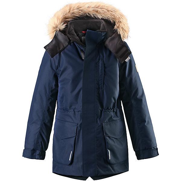 Куртка Reimatec® Reima Naapuri для мальчикаОдежда<br>Характеристики товара:<br><br>• цвет: темно-синий;<br>• 100% полиэстер, полиуретановое покрытие;<br>• утеплитель: 100% полиэстер 140 г/м2;<br>• сезон: зима;<br>• температурный режим: от 0 до -20С;<br>• водонепроницаемость: 15000 мм;<br>• воздухопроницаемость: 7000 мм;<br>• износостойкость: 30000 циклов (тест Мартиндейла)<br>• особенности: с мехом;<br>• водо- и ветронепроницаемый, дышащий и грязеотталкивающий материал;<br>• все швы проклеены и водонепроницаемы;<br>• гладкая подкладка из полиэстера;<br>• безопасный съемный и регулируемый капюшон;<br>• съемный искусственный мех на капюшоне;<br>• регулируемые манжеты рукавов;<br>• внутренняя регулировка обхвата талии;<br>• внутренний нагрудный карман;<br>• внешний нагрудный карман;<br>• два накладных кармана;<br>• петля для крепления ключей или дополнительных светоотражателей;<br>• светоотражающие элементы;<br>• страна бренда: Финляндия;<br>• страна производства: Китай.<br><br>Удлиненная зимняя куртка из специального водо-и ветронепроницаемого материала хорошо пропускает воздух и обладает водо и грязеотталкивающими свойствами. Все швы проклеены и водонепроницаемы, так что дети могут наслаждаться веселыми зимними забавами в любую погоду. У этой модели прямой покрой с регулируемой талией и подолом, так что при желании силуэт можно сделать более приталенным. <br><br>Куртка снабжена двумя большими карманами с клапанами и двумя нагрудными карманами, один из которых на молнии. Удобная петелька, спрятанная в кармане с клапаном – к ней можно прикрепить светоотражатель или ключи. Безопасный съемный капюшон с элегантной съемной оторочкой из искусственного меха. Эта куртка очень проста в уходе, кроме того, ее можно сушить в стиральной машине.<br><br>Куртку Naapuri для мальчика Reimatec® Reima (Рейма) можно купить в нашем интернет-магазине.