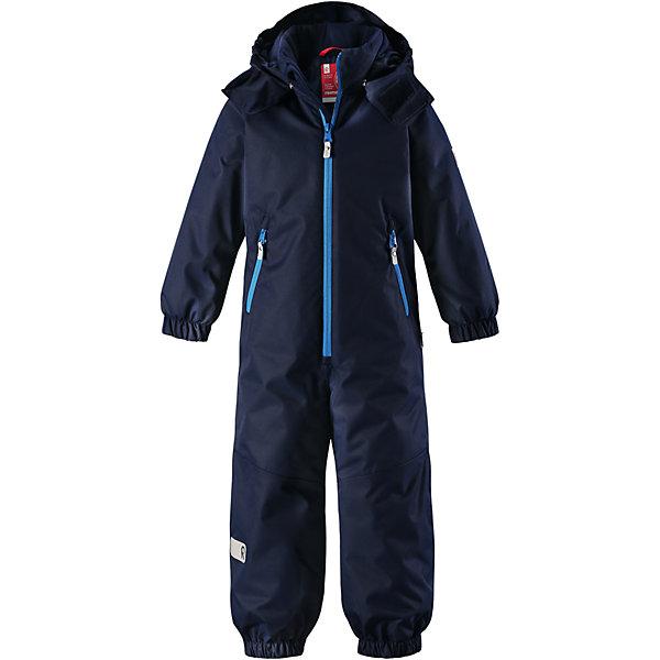Комбинезон Reima Reissu для мальчикаОдежда<br>Характеристики товара:<br><br>• цвет: синий;<br>• состав: 100% полиэстер;<br>• подкладка: 100% полиэстер;<br>• утеплитель: 160 г/м2<br>• температурный режим: от 0 до -20С;<br>• сезон: зима; <br>• водонепроницаемость: 5000 мм;<br>• воздухопроницаемость: 5000 мм;<br>• износостойкость: 30000 циклов (тест Мартиндейла);<br>• водо- и ветронепроницаемый, дышащий и грязеотталкивающий материал;<br>• прочные усиленные вставки внизу, на коленях и снизу на ногах;<br>• основные швы проклеены и не пропускают влагу;<br>• гладкая подкладка из полиэстера;<br>• эластичные манжеты;<br>• застежка: молния с защитой подбородка;<br>• безопасный съемный капюшон на кнопках;<br>• внутренняя регулировка обхвата талии;<br>• регулируемая длина брюк с помощью кнопок;<br>• прочные съемные силиконовые штрипки;<br>• два кармана на молнии;<br>• светоотражающие детали;<br>• страна бренда: Финляндия;<br>• страна изготовитель: Китай.<br><br>Размеры изделия: <br>• Длина внутреннего шва рукава: 34см<br>• Длина внешнего шва рукава: 46см <br>• Длина спинки: 65см<br>• Ширина от плеча до плеча: 33см<br>• Ширина спинки от подмышки до подмышки: 45см<br>• Объем талии: 84см<br>• Длина внутреннего шва брюк: 49см<br>• Длина внешнего шва брюк: 62см<br>• Ширина брючины внизу: 22см<br><br>Непромокаемый и прочный детский зимний комбинезон Reimatec® с проклеенными основными швами. Этот практичный комбинезон изготовлен из ветронепроницаемого и дышащего материала, поэтому вашему ребенку будет тепло и сухо, к тому же он не вспотеет. Комбинезон снабжен гладкой подкладкой из полиэстера. <br><br>В этом комбинезоне прямого кроя талия при необходимости легко регулируется изнутри, что позволяет подогнать комбинезон точно по фигуре. А еще он снабжен эластичными манжетами. Съемный капюшон защищает от пронизывающего ветра, а еще он безопасен во время игр на свежем воздухе. Кнопки легко отстегиваются, если капюшон случайно за что-нибудь зацепится. Этот практичный комбинезон снабжен съем