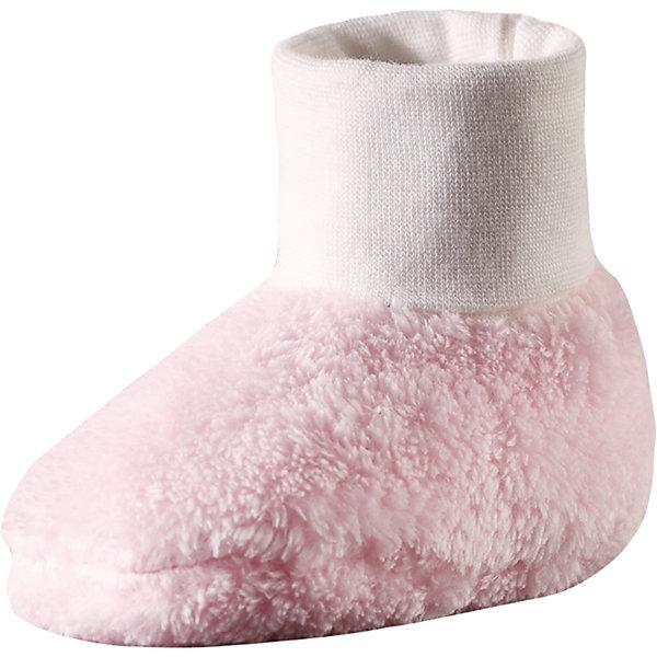 Пинетки Reima LevanaПинетки и царапки<br>Характеристики товара:<br><br>• цвет: розовый;<br>• состав: 100% полиэстер, флис;<br>• сезон: демисезон; <br>• особенности модели: флисовые, на подкладке;<br>• дышащий, теплый и быстросохнущий флис;<br>• эластичная резинка;<br>• сплошная подкладка: хлопковый трикотаж с эластаном;<br>• логотип Reima;<br>• страна бренда: Финляндия;<br>• страна изготовитель: Китай.<br><br>Теплые пинетки сделаны из пушистого ворсового флиса, который легко надевается и хорошо согревает ножки. Флис хорошо пропускает воздух и быстро сохнет, а мягкая подкладка из смеси хлопка и эластана очень приятна на ощупь. Благодаря широким резинкам, пинетки не сползают с ножки и отлично сидят.<br><br>Пинетки Levana Reima от финского бренда Reima (Рейма) можно купить в нашем интернет-магазине.<br>Ширина мм: 152; Глубина мм: 126; Высота мм: 93; Вес г: 242; Цвет: розовый; Возраст от месяцев: 0; Возраст до месяцев: 12; Пол: Унисекс; Возраст: Детский; Размер: 0,1; SKU: 6908668;