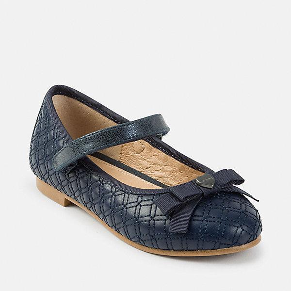 Туфли Mayoral для девочкиНарядная обувь<br>Характеристики товара:<br><br>• цвет: синий<br>• внешний материал: полиуретан<br>• внутренний материал: натуральная кожа, полиуретан<br>• стелька: натуральная кожа<br>• подошва: полимер<br>• сезон: круглый год<br>• особенности модели: школьная<br>• застежка: липучка<br>• анатомические <br>• страна бренда: Испания<br>• страна изготовитель: Китай<br><br>Правильная детская обувь должна быть удобной и красивой. Такие туфли для девочки от бренда Mayoral - отличный вариант комфортной обуви для школы. <br><br>Для производства детской одежды и обуви популярный бренд Mayoral используют только качественную фурнитуру и материалы. Оригинальные и модные вещи от Майорал неизменно привлекают внимание и нравятся детям.<br><br>Туфли для девочки Mayoral можно купить в нашем интернет-магазине.<br>Ширина мм: 227; Глубина мм: 145; Высота мм: 124; Вес г: 325; Цвет: синий; Возраст от месяцев: 24; Возраст до месяцев: 36; Пол: Женский; Возраст: Детский; Размер: 35,34,33,32,31,30,29,28,27,26,38,37,36; SKU: 6925754;