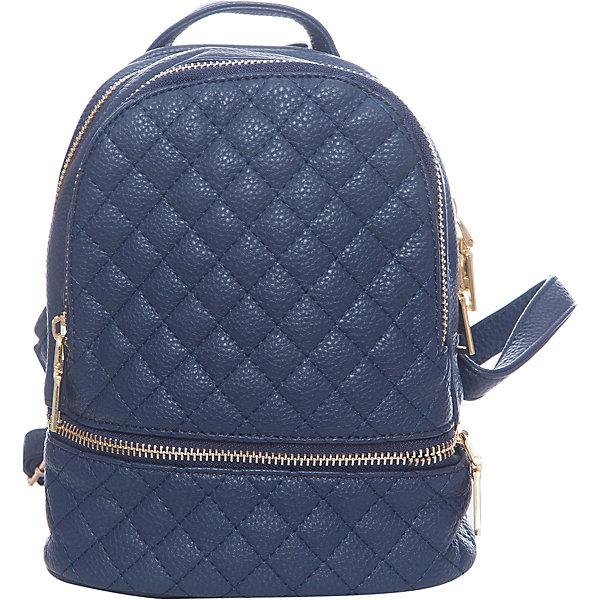 Рюкзак для девочки VitacciАксессуары<br>Характеристики товара:<br><br>• цвет: синий;<br>• материал: искусственная кожа;<br>• особенности: кожаный;<br>• застежка: молния;<br>• количество отделений: 1;<br>• два внутренних кармана;<br>• два внешних кармана на молнии;<br>• плечевые лямки регулируются по длине;<br>• вес: 200 гр;<br>• размер: 21х8х18 см;<br>• страна бренда: Италия;<br>• страна производства: Китай.<br><br>Молодежный рюкзак черного цвета. Рюкзак для девочки застегивается на молнию. Внутри одно большое отделение и два кармана. Два внешних кармана на молнии. Плечевые ремни регулируются.<br><br>Рюкзак Vitacci (Витачи) можно купить в нашем интернет-магазине.<br>Ширина мм: 170; Глубина мм: 157; Высота мм: 67; Вес г: 117; Цвет: синий; Возраст от месяцев: 48; Возраст до месяцев: 144; Пол: Женский; Возраст: Детский; Размер: one size; SKU: 6927084;