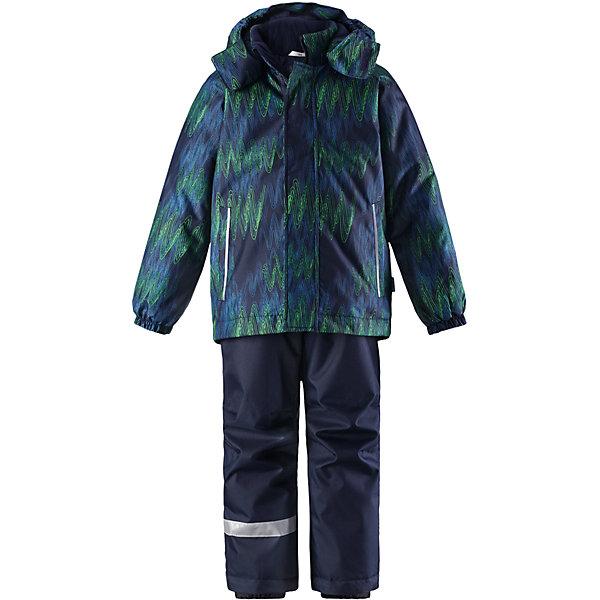 Комплект Lassie : куртка и полукомбинезонОдежда<br>Характеристики товара:<br><br>• состав: 100% полиэстер, полиуретановое покрытие;<br>• подкладка: 100% полиэстер;<br>• утеплитель: куртка 180 г/м2, брюки 100 г/м2;<br>• сезон: зима;<br>• температурный режим: от 0 до -20С;<br>• водонепроницаемость: 1000 мм;<br>• воздухопроницаемость: 1000 мм;<br>• износостойкость: 50000 циклов (тест Мартиндейла);<br>• застежка: куртка на молнии, брюки молнии и пуговице;<br>• водоотталкивающий, ветронепроницаемый и дышащий материал;<br>• гладкая подкладка из полиэстера; <br>• безопасный съемный капюшон;<br>• эластичные манжеты; <br>• снегозащитные манжеты на штанинах;<br>• регулируемые подол;<br>• регулируемые и отстегивающиеся эластичные подтяжки;<br>• два прорезных кармана;<br>• светоотражающие детали;<br>• страна бренда: Финляндия;<br>• страна изготовитель: Китай;<br><br>Этот детский зимний комплект рассчитан на активных детей, которые любят играть на улице в любую погоду. Он изготовлен из сверхпрочного материала и оснащен безопасным съемным капюшоном, который обеспечивает дополнительную защиту. Регулируемый подол куртки и подтяжки на брюках позволяют откорректировать одежду по фигуре. На концах брючин предусмотрена защита от снега, поэтому ножки останутся сухими во время игр на снегу. Красочный рисунок дополняет образ!<br><br>Вся одежда Lassie производится с запасом роста +6 см. Производитель рекомендует использовать термобелье и флисовую поддеву для сильных морозов.