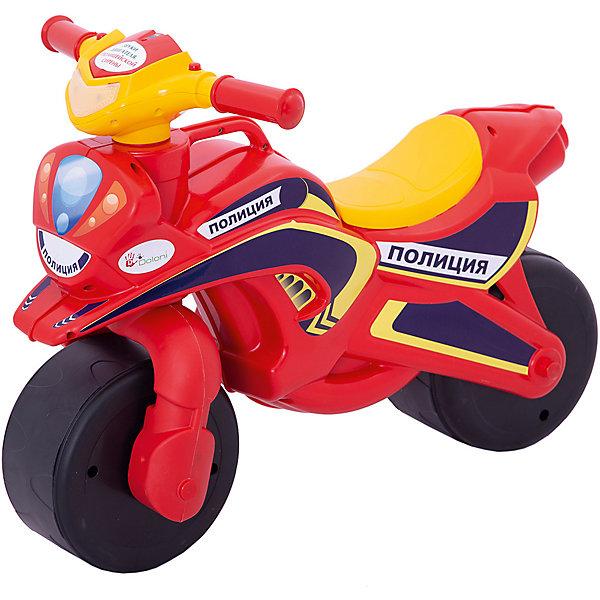 """Каталка-байк музыкальный """"Полиция"""", красно-желтый, DoloniМотоциклы<br>Характеристики товара:<br><br>• возраст: от 3 лет;<br>• максимальная нагрузка: 40 кг;<br>• материал: пластик;<br>• высота до сидения: 32 см;<br>• тип батареек: 2 батарейки АА;<br>• наличие батареек: в комплекте;<br>• размер упаковки: 70х35х50 см;<br>• вес упаковки: 2,9 кг;<br>• страна производитель: Украина.<br><br>Каталка-байк «Полиция» Doloni розово-зеленая выполнена в виде мотоцикла на колесах и с рулем. Каталка позволит детям весело и активно провести время на прогулке. Сидя на ней, ребенок отталкивается ножками от земли и едет вперед, что способствует физическому развитию, учит держать равновесие.<br><br>На руле расположены кнопки для активации звуковых и световых эффектов. При нажатии кнопок загорается фара, раздаются звук мотора мотоцикла и сирены полицейской машины. Прорезиненные колеса обеспечивают бесшумное катание. Для мамы предусмотрена удобная ручка для переноски каталки.<br><br>Игрушка выполнена из качественного безопасного пластика. На ней отсутствуют острые углы, которые могут поранить ребенка.<br><br>Каталку-байк «Полиция» Doloni розово-зеленую можно приобрести в нашем интернет-магазине.<br>Ширина мм: 700; Глубина мм: 350; Высота мм: 500; Вес г: 2900; Возраст от месяцев: 36; Возраст до месяцев: 2147483647; Пол: Унисекс; Возраст: Детский; SKU: 6963499;"""