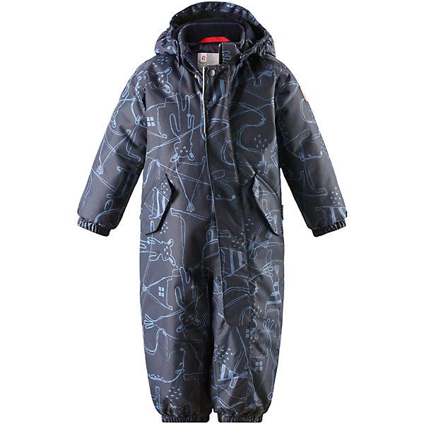 Комбинезон Reimatec® Reima Bunny для мальчикаОдежда<br>Характеристики товара:<br><br>• цвет: синий;<br>• состав: 100% полиэстер;<br>• подкладка: 100% полиэстер;<br>• утеплитель: 160 г/м2;<br>• сезон: демисезон, зима;<br>• температурный режим: от 0 до -20С;<br>• водонепроницаемость: 8000 мм;<br>• воздухопроницаемость: 10000 мм;<br>• износостойкость: 30000 циклов (тест Мартиндейла);<br>• водо- и ветронепроницаемый, дышащий и грязеотталкивающий материал;<br>• основные швы проклеены и водонепроницаемы;<br>• застежка: молния с защитой подбородка;<br>• гладкая подкладка из полиэстера;<br>• утепленная задняя часть изделия;<br>• безопасный, съемный капюшон;<br>• эластичные манжеты;<br>• внутренняя регулировка обхвата талии;<br>• эластичные штанины;<br>• съемные эластичные штрипки;<br>• два кармана с кнопками;<br>• светоотражающие детали;<br>• страна бренда: Финляндия;<br>• страна изготовитель: Китай.<br><br>Основные швы комбинезона проклеены, а сам он изготовлен из водо и ветронепроницаемого, грязеотталкивающего материала. Утепленная задняя часть обеспечит дополнительную защиту от холода во время игр в снегу. Гладкая подкладка и длинная молния облегчают надевание, а талия в комбинезоне регулируется. Два кармана с клапанами надежно сохранят все сокровища.<br><br>Комбинезон Reimatec® Reima Bunny от финского бренда Reima (Рейма) можно купить в нашем интернет-магазине.<br>Ширина мм: 356; Глубина мм: 10; Высота мм: 245; Вес г: 519; Цвет: синий; Возраст от месяцев: 6; Возраст до месяцев: 9; Пол: Мужской; Возраст: Детский; Размер: 74,98,92,86,80; SKU: 6968477;