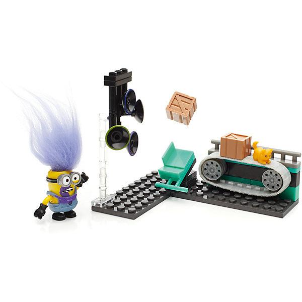 Игровой набор серия III MEGA CONSTRUX МиньоныПластмассовые конструкторы<br>Характеристики:<br><br>• тип игрушки: игровой набор;<br>• возраст: от 6 лет;<br>• вес: 227 гр; <br>• материал: пластик;<br>• размер: 20,5х4,5х15 см;<br>• бренд: Mattel.<br><br>Игровой набор серия III MEGA CONSTRUX «Миньоны» включает сборный миньон с заменяемыми частями и специальными аксессуарами. Игрушка имеет такой размер, при котором ребенку удобно держать её в руках, а также брать с собой в гости или на прогулку. Такие игрушки помогают развить мелкую моторику, логическое мышление и воображение ребенка. <br><br>Эта игрушка выполнена из высококачественного прочного пластика, безопасного для детей, отлично детализирована.<br><br> Игровой набор серия III MEGA CONSTRUX «Миньоны» можно купить в нашем интернет-магазине.<br>Ширина мм: 205; Глубина мм: 45; Высота мм: 150; Вес г: 227; Возраст от месяцев: 72; Возраст до месяцев: 2147483647; Пол: Унисекс; Возраст: Детский; SKU: 7014814;