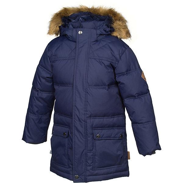 Куртка LUCAS Huppa для мальчикаПуховики<br>Характеристики товара:<br><br>• модель: Lucas;<br>• состав: 100% полиэстер;<br>• утеплитель: 50% пух, 50% перо.;<br>• подкладка: тафта,полиэстер;<br>• сезон: зима;<br>• температурный режим: от - 5 до - 30С;<br>• водонепроницаемость: 5000 мм;<br>• воздухопроницаемость: 5000 г/м2/24ч;<br>• влагоустойчивая и дышащая ткань;<br>• двухсторонняя молния;<br>• воротник-стойка застегивается на застежку-молнию и кнопки;<br>• безопасный капюшон при необходимости, отстегивается;<br>• мех на капюшоне съемный;<br>• низ рукавов дополнен эластичными манжетами;<br>• карманы на молнии;<br>• светоотражающие детали для безопасности ребенка;<br>• страна бренда: Финляндия;<br>• страна изготовитель: Эстония.<br><br>Стильная молодёжная парка Lucas для мальчиков выполнена  из влагоустойчивой и дышащей ткани, которая позволяет сохранить внутри собственное тепло ребенка и препятствует попаданию извне холодного воздуха. Её поверхность очень просто очистить от любых загрязнений.<br><br>Голову украшает отстёгивающийся капюшон, обрамлённый съемным мехом. Прямой крой придаёт парке модный спортивный вид. Двусторонняя молния спрятана за декоративной планкой. Бегунок молнии открывается/закрывается снизу и сверху. Карманы на молнии. В рукава вшиты вязаные манжеты. Они прекрасно защищают парня от снега и ветра.Имеются светоотражательные элементы.<br><br>Разрабатываемая дизайнерами компании Хуппа детская одежда полностью отвечает климатическим особенностям нашей страны.<br><br>Куртку Lucas для мальчика бренда HUPPA  можно купить в нашем интернет-магазине.<br>Ширина мм: 356; Глубина мм: 10; Высота мм: 245; Вес г: 519; Цвет: синий; Возраст от месяцев: 120; Возраст до месяцев: 132; Пол: Мужской; Возраст: Детский; Размер: 146,164,170,158,152,140,134,128,110,122,116; SKU: 7025251;