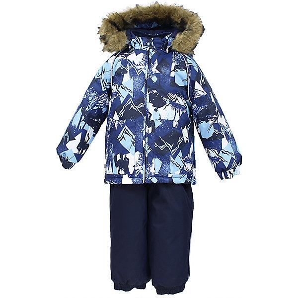 Комплект: куртка и брюки AVERY Huppa для мальчикаВерхняя одежда<br>Характеристика товара:<br><br>• цвет: синий<br>• температурный режим: от -0 до-30;<br>• утеплитель: куртка:300 грамм, брюки:160 грамм(100% полиэстер);<br>• подкладка: 100% хлопок;<br>• воздухопроницаемость: 5 000 мм куртка / 10 000 мм брюки;<br>• водонепроницаемость:  5 000 мм куртка / 10 000 мм брюки;<br>• застежка: молния;<br>• меховая опушка из искуственного меха;<br>• шаговый шов – проклеен;<br>• капюшон съемный;<br>• подтяжки на полукомбинезоне – резинки;<br>• светоотражающие детали;<br>• производитель: HUPPA (Эстония)<br><br>Красивый зимний комплект AVERY для детей младшего возраста. Легкая, но очень теплая куртка из мягкой мембранной ткани не содержит лишних деталей. В модели 300 грамм утеплителя, а значит, вы можете быть уверены, что ваш малыш не замерзнет на прогулке в морозную погоду, даже если будет двигаться не слишком активно. Комплект для малышей AVERY благодаря простым манжетам на резинке и удобной молнии легко надевать и застегивать. Капюшон с меховой опушкой сделан в форме забавного колпачка и при желании отстегивается. <br><br>Практичный однотонный полукомбинезон темного цвета выполнен из более прочной мембраны и скроен без внутренних швов, для лучшей защиты от истирания и попадания влаги. Задний шов проклеен, также для дополнительной защиты от влаги. Манжеты по низу брюк и тканевые штрипки на ботинки надежно фиксируют брюки и защищают от попадания снега. На костюмах AVERY светоотражающие элементы делают вашего ребенка более заметным на улице, даже в условиях плохой видимости и в темное время суток.<br><br>Комплект для малышей AVERY можно купить в нашем интернет-магазине.<br>Ширина мм: 356; Глубина мм: 10; Высота мм: 245; Вес г: 519; Цвет: синий; Возраст от месяцев: 24; Возраст до месяцев: 36; Пол: Мужской; Возраст: Детский; Размер: 98,92,86,80,104; SKU: 7027006;