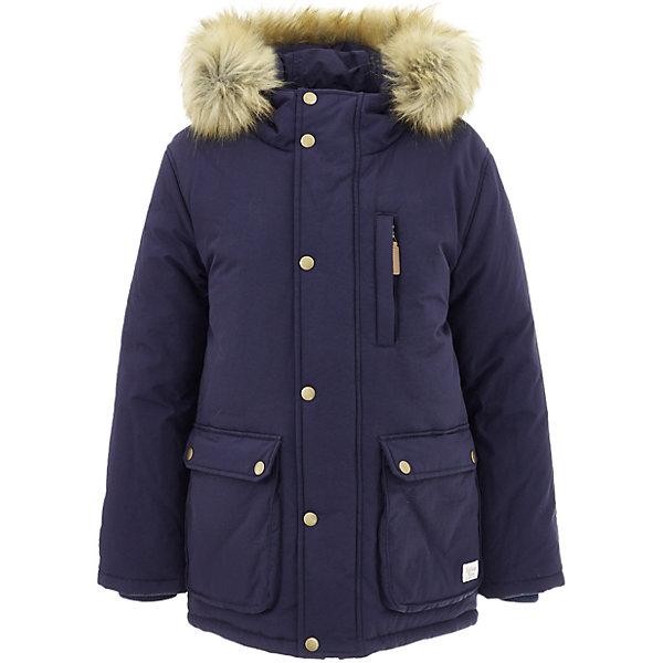 Полупальто Button Blue для мальчикаВерхняя одежда<br>Характеристики товара:<br><br>• цвет: синий;<br>• состав: 100% нейлон;<br>• подкладка: 100% полиэстер, 100% хлопок;<br>• утеплитель: 100% полиэстер;<br>• сезон: зима;<br>• температурный режим: от 0 до -20С;<br>• застежка: молния по всей длине с дополнительной планкой на кнопках;<br>• защита подбородка от защемления;<br>• капюшон не отстегивается;<br>• искусственный мех на капюшоне;<br>• эластичные трикотажные внутренние манжеты;<br>• внутренняя утяжка со стопером по низу изделия;<br>• два кармана на кнопках и нагрудный карман на молнии;<br>• страна бренда: Россия;<br>• страна изготовитель: Китай.<br><br>Зимняя куртка с капюшоном для мальчика. Куртка застегивается на молнию по всей длине. У куртки эластичные внутренние манжеты и регулируемый низ изделия. Капюшон отделан опушкой из искусственного меха.<br><br>Куртку Button Blue (Баттон Блю) можно купить в нашем интернет-магазине.
