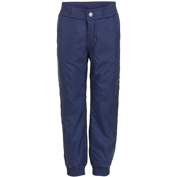 Брюки Button Blue для мальчикаВерхняя одежда<br>Характеристики товара:<br><br>• цвет: синий;<br>• состав: 100% полиэстер;<br>• подкладка: 100% полиэстер, флис;<br>• без дополнительного утепления;<br>• сезон: демисезон;<br>• температурный режим: от +10 до -5С;<br>• застежка: ширинка на молнии и пуговица;<br>• плащевая непромокаемая ткань;<br>• сплошная теплая подкладка из флиса;<br>• эластичная резинка по низу штанин;<br>• страна бренда: Россия;<br>• страна изготовитель: Китай.<br><br>Демисезонные брюки для мальчика. Брюки на флисовой подкладке, верх из непромокаемой плащевой ткани. <br><br>Брюки Button Blue (Баттон Блю) можно купить в нашем интернет-магазине.