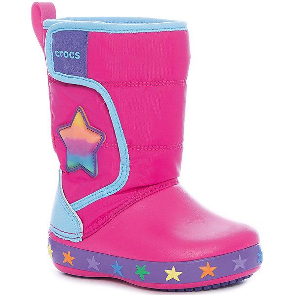Сноубутсы CrocsLodgePt Lights Star для девочкиСноубутсы<br>Характеристики товара:<br><br>• цвет: розовый<br>• внешний материал: водоотталкивающий нейлон<br>• внутренний материал: текстиль<br>• стелька: текстиль<br>• подошва: Croslite<br>• сезон: демисезон<br>• температурный режим: от -10 до +5<br>• застежка: липучка<br>• непромокаемые<br>• защита мыса <br>• подошва не скользит <br>• анатомические <br>• страна бренда: США<br>• страна производства: Китай<br><br>Модная обувь Crocs для детей обеспечивает комфортный микроклимат ногам на весь день. Такие детские сапоги Crocs сделаны из уникального материала Croslite и прочного текстиля. Благодаря новейшим технологиям ноги в таких непромокаемых сапогах для ребенка не устают и не скользят. Детские сапоги Крокс дополнены удобной липучкой. <br><br>Сапоги CFLlightLPtStar Crocs (Крокс) для девочки можно купить в нашем интернет-магазине.<br>Ширина мм: 257; Глубина мм: 180; Высота мм: 130; Вес г: 420; Цвет: розовый; Возраст от месяцев: 18; Возраст до месяцев: 21; Пол: Женский; Возраст: Детский; Размер: 23,34/35,33/34,31/32,30,29,28,27,26,25,24; SKU: 7063651;