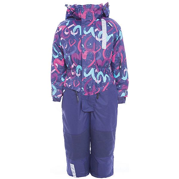 Комбинезон Sweet Berry для девочкиВерхняя одежда<br>Характеристики товара:<br><br>• цвет: синий;<br>• ткань верха: верх 100% полиэстер, брючины 100% нейлон;<br>• подкладка: 100% полиэстер, флис;<br>• наполнитель: 100% полиэстер;<br>• сезон: зима<br>• утеплитель: синтепух верх 220 г/м?, рукава и брючины 180 г/м? (синтепух);<br>• температурный режим: от +5 до -35С;<br>• водонепроницаемость: 5000 мм;<br>• воздухопропускаемость: 5000г/м2;<br>• особенности модели: с капюшоном;<br>• капюшон: съемный, без меха;<br>• застежка: молния с защитой подбородка;<br>• дополнительная утяжка на капюшоне;<br>• манжеты на рукавах регулируются липучками;<br>• два кармана на молнии;<br>• молния с ветрозащитной планкой;<br>• усиленные вставки из сверхпрочного материала;<br>• съемные силиконовые штрипки;<br>• страна бренда: Россия<br>• страна производства: Китай<br><br>Комфортный и теплый комбинезон для девочки из мембранной ткани. В конструкции учтены физиологические особенности малыша. Съемный капюшон на кнопках с дополнительной утяжкой, спереди установлены две кнопки. Рукава с манжетами, регулируются липучкой. Два кармана, застегивающиеся на молнию. Застежка-молния с внешней ветрозащитной планкой. <br><br>По бокам брюк расположены карманы на молниях. Колени, задняя поверхность бедер и низ брюк дополнительно усилены сверхпрочным материалом. Силиконовые отстегивающиеся штрипки на брючинах. Ткань верха: мембрана 5000мм/5000г/м2/24h, waterproof, водонепроницаемая с грязеотталкивающей пропиткой.<br>Флисовая подкладка.<br><br>Комбинезон Sweet Berry (Свит Берри) для девочки можно купить в нашем интернет-магазине.<br>Ширина мм: 356; Глубина мм: 10; Высота мм: 245; Вес г: 519; Цвет: синий; Возраст от месяцев: 18; Возраст до месяцев: 24; Пол: Женский; Возраст: Детский; Размер: 92,134,128,122,116,110,104,98; SKU: 7094161;