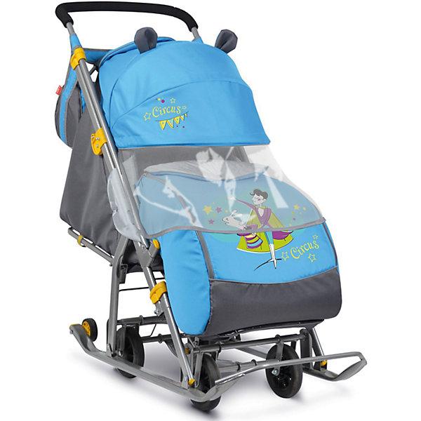 Санки-коляска Ника детям  7 (2017), Фокусник, синийСанки-коляски<br>Санки-коляска Ника детям  7 (2017), Фокусник, синий<br><br>Коляска комбинированная с трансформируемым кузовом позволяет передвигаться по любой дороге. Нажатием ноги на педаль опускаются колеса, и вы можете везти коляску по асфальту или по гладкому полу. Еще одно нажатие — коляска трансформируется в санки и снова скользить по снегу!<br><br>• механизм смены полозьев на колеса<br>• плоские полозья 40 мм с большими обрезиненными колесами<br>• пятиточечный ремень безопасности<br>• складной высокий трехсекционный козырек с декоративными ушками<br>• спинка регулируется до положения лежа<br>• подножка с регулируемым наклоном ног, позволяющая ребенку в положении лежа комфортно вытягивать ножки<br>• перекидная ручка<br>• чехол для ног с 2-мя молниями для удобного открывания с двух сторон<br>• широкое посадочное место 385 мм<br>• ширина полозьев 445 мм<br>• ширина колесной базы 280 мм<br>• высота санок на полозьях 1030 мм<br>• высота санок на колесах 1095 мм<br>• смотровое окошко для наблюдения за ребенком<br>• светоотражающий кант<br>• сумка с кармашками для полезных мелочей<br>• размер в сложенном положении 1105х445х280 мм<br>• вес изделия 10,8 кг<br><br>В моделях 2017 года - съемный прозрачный тент-дождевик для защиты от ветра и осадков<br><br>Санки-коляска Ника детям  7 (2017), Фокусник, синий, можно купить в нашем интернет-магазине.<br>Ширина мм: 1150; Глубина мм: 470; Высота мм: 230; Вес г: 11500; Цвет: синий; Возраст от месяцев: 12; Возраст до месяцев: 48; Пол: Мужской; Возраст: Детский; SKU: 7128829;