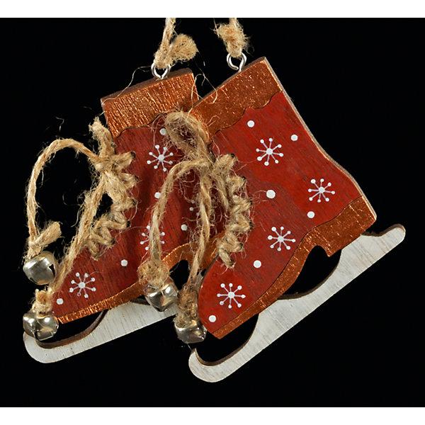 Украшение на елку ErichKrause Коньки, 17 см (красные)Ёлочные игрушки<br>Характеристики:<br><br>• размер: 17 см.<br>• материал: древесина<br><br>Новогоднее украшение в виде пара коньков с бубенчиками, соединенных тонкой верёвкой, очаровывает своим изяществом и простотой исполнения. Легкое и безопасное в использовании украшение из древесины смотрится очень необычно. Украшение можно разместить как на елке, так и в любом подходящем месте интерьера.<br><br>Новогодние украшения приносят в дом волшебство и ощущение праздника. Создайте в своем доме атмосферу веселья и радости, украшая всей семьей новогоднюю елку нарядными игрушками, которые будут из года в год накапливать теплоту воспоминаний.<br><br>Украшение КОНЬКИ красные 17см можно купить в нашем интернет-магазине.<br>Ширина мм: 170; Глубина мм: 10; Высота мм: 75; Вес г: 50; Возраст от месяцев: -2147483648; Возраст до месяцев: 2147483647; Пол: Унисекс; Возраст: Детский; SKU: 7132432;
