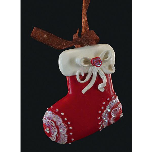 Украшение на елку ErichKrause Валенок узорный, 6 смЁлочные игрушки<br>Характеристики:<br><br>• размер: 6 см.<br>• вес: 30 гр.<br><br>Сочетание красного и белого цветов - одно из самых популярных среди новогодних украшений. Красный валенок с белой опушкой и белым бантиком символизирует домашний уют. Отличительной особенностью этого изделия является тонко прорисованный орнамент.<br><br>Украшение оснащено красивой ленточкой с помощью, которой его можно подвесить в любом понравившемся месте. Но, конечно же, удачнее всего такая игрушка будет смотреться на праздничной елке.<br><br>Новогодние украшения приносят в дом волшебство и ощущение праздника. Создайте в своем доме атмосферу веселья и радости, украшая всей семьей новогоднюю елку нарядными игрушками, которые будут из года в год накапливать теплоту воспоминаний.<br><br>Украшение ВАЛЕНОК узорный 6см можно купить в нашем интернет-магазине.<br>Ширина мм: 55; Глубина мм: 10; Высота мм: 60; Вес г: 30; Возраст от месяцев: -2147483648; Возраст до месяцев: 2147483647; Пол: Унисекс; Возраст: Детский; SKU: 7132473;
