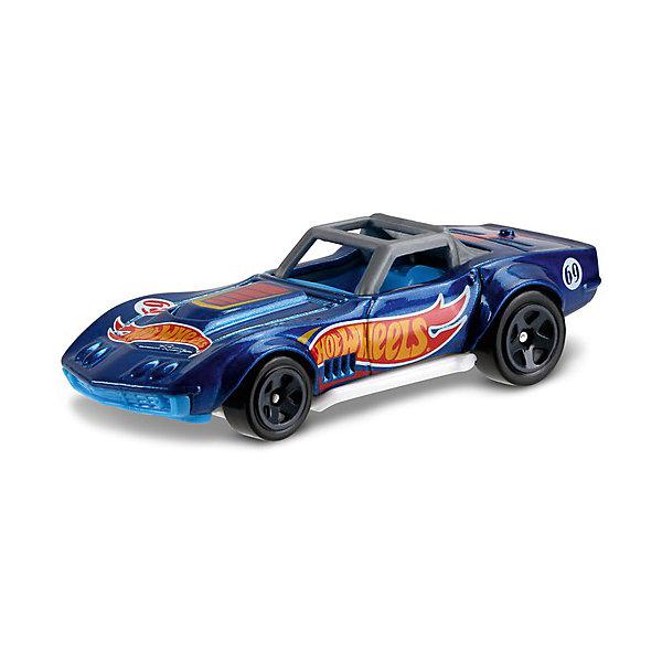 Базовая машинка Mattel Hot Wheels, 69 Corvette RacerПопулярные игрушки<br>Характеристики:<br><br>• возраст: от 3 лет;<br>• материал: металл, пластмасса;<br>• вес упаковки: 30 гр.;<br>• размер упаковки: 11х4х11 см;<br>• тип упаковки: блистерный;<br>• страна бренда: США.<br><br>Машинка Hot Wheels от Mattel входит в группу моделей базовой коллекции. Миниатюры этой серии изображают реальные автомобили, спорткары, фургоны, мотоциклы в масштабе 1:64, а также модели с собственным оригинальным дизайном. Собрав свою линейку машинок, ребенок сможет устраивать заезды, гонки и меняться экземплярами с друзьями.<br><br>Монолитные элементы игрушки увеличивают ее прочность. Падение и столкновение с твердыми предметами во время игр не отражается на внешнем виде и ходе машинки. Кузов отчетливо детализирован, покрыт стойкими насыщенными красками. Колеса легко вращаются вокруг своей оси.<br><br>Игрушка выполнена из качественных материалов, сертифицированных по стандартам безопасности для использования детьми.<br><br>Машинку Hot Wheels из базовой коллекции можно купить в нашем интернет-магазине.<br>Ширина мм: 110; Глубина мм: 45; Высота мм: 110; Вес г: 30; Возраст от месяцев: 36; Возраст до месяцев: 96; Пол: Мужской; Возраст: Детский; SKU: 7191268;