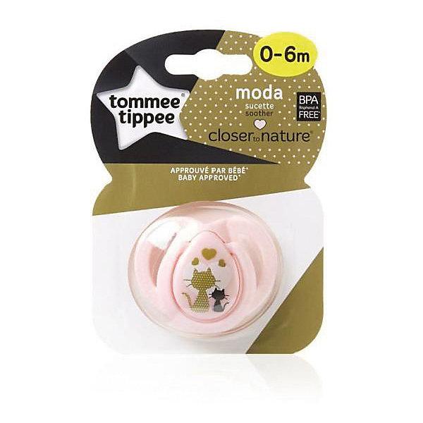 Силиконовая пустышка Tommee Tippee Moda Кошечки 0-6 мес., розоваяСиликоновые пустышки<br>Характеристики:<br><br>• возраст: 0+;<br>• материал: силикон, пластик;<br>• размер упаковки: 11,7х8,5х3,5 см;<br>• упаковка: блистер на картоне;<br>• количество: 1 шт. в упаковке;<br>• вес: 25 г;<br>• особенности: не содержат Бисфенол А;<br>• производитель: Tommee Tippee.<br><br>Стильная ортодонтическая пустышка с удобным колечком и нагубником повторяет форму нёба малыша, способствуя здоровому развитию ротовой полости ребенка. Пустышки «Moda» разработаны совместно с ведущими врачами-стоматологами. В производстве используется медицинский силикон высшего качества.<br><br>Пустышка декорирована рисунком с собачками, ее удобно держать маленькими ручками. Благодаря уникальной форме пустышку легко мыть и стерилизовать.<br><br>Пустышку силиконовую «Moda» 0-6 мес., 2 кошечки (розовая), Tommee Tippee можно купить в нашем интернет-магазине.<br>Ширина мм: 25; Глубина мм: 55; Высота мм: 50; Вес г: 19; Цвет: розовый; Возраст от месяцев: 0; Возраст до месяцев: 6; Пол: Унисекс; Возраст: Детский; SKU: 7196603;