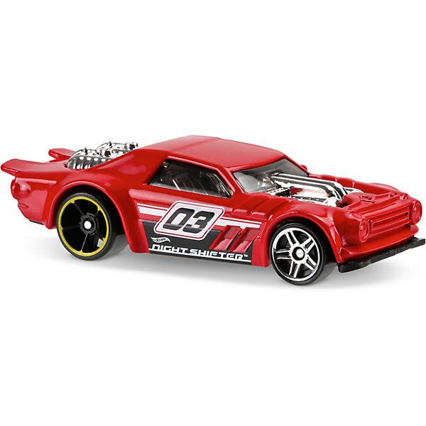 Базовая машинка Hot Wheels, Night ShifterПопулярные игрушки<br>Характеристики:<br><br>• возраст: от 3 лет;<br>• тип игрушки: легковой транспорт;<br>• цвет: красный;<br>• материал: пластик, металл; <br>• размер: 11х4,5х11 см;<br>• вес: 55 гр;<br>• страна бренда: США;<br>• страна производитель: Китай;<br>• тип упаковки: блистер на картоне;<br>• эффекты: без эффектов.<br><br><br>Гоночная машинка Hot Wheels позволяет устроить настоящие гоночные соревнования. Легендарная серия коллекционных машинок завоевала внимание всех детей. Базовые машинки Hot Wheels выглядят очень ярко и эффектно благодаря оригинальному дизайну, выполнены из металла и пластика, что гарантирует прочность и устойчивость к столкновениям. Машинка раскрашена в красный цвет. Серебристые диски на черных колесах не смогут не привлечь внимание мальчика.<br><br>Яркая игрушка станет отличным подарком для ребенка от трех лет. Кроме того, малыш сможет собрать целую коллекцию этих популярных машинок и обмениваться ими с друзьями. Машинка Hot Wheels из базовой коллекции представлена в ассортименте.<br><br>Машинку Hot Wheels из базовой коллекции можно купить в нашем интернет-магазине.<br>Ширина мм: 110; Глубина мм: 45; Высота мм: 110; Вес г: 30; Возраст от месяцев: 36; Возраст до месяцев: 96; Пол: Мужской; Возраст: Детский; SKU: 7198093;