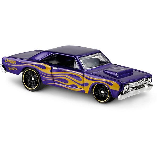 Базовая машинка Hot Wheels, 68 Dodge DartПопулярные игрушки<br>Характеристики:<br><br>• возраст: от 3 лет;<br>• тип игрушки: легковой транспорт;<br>• цвет: фиолеовый;<br>• особенности: инерционная;<br>• материал: пластик, металл; <br>• размер: 11х4,5х11 см;<br>• вес: 30 гр;<br>• страна бренда: США;<br>• страна производитель: Китай;<br>• тип упаковки: блистер на картоне;<br>• эффекты: без эффектов.<br><br><br>Машинка Hot Wheels 68 Dodge Dart от бренда Mattel представляет собой ретро-автомобиль, который станет достойным пополнением автопарка мальчика. Легендарная серия коллекционных машинок завоевала внимание всех детей. Быстрые и красочные  машинки Hot Wheels выглядят очень ярко и эффектно благодаря оригинальному дизайну. Они выполнены из металла и пластика, что гарантирует прочность и устойчивость к столкновениям. <br><br>Машинка раскрашена в фиолетовый цвет. Автомобиль создан из проверенных и безопасных материалов. Его особенность - защитное литое днище Темно-фиолетовый корпус машинки по бокам украшен желтыми разводами. Диски на колесах окантованы золотистым ободком. Игрушка выполнена в мельчайших деталях и тщательно прорисована.<br><br>Стильная игрушка станет отличным подарком для ребенка от трех лет. Кроме того, малыш сможет собрать целую коллекцию этих популярных машинок и обмениваться ими с друзьями. Машинка Hot Wheels 68 Dodge Dart во время гонки не оставит равнодушным ни одного мальчика. <br><br>Машинку Hot Wheels 68 Dodge Dart из базовой коллекции можно купить в нашем интернет-магазине.<br>Ширина мм: 110; Глубина мм: 45; Высота мм: 110; Вес г: 30; Возраст от месяцев: 36; Возраст до месяцев: 96; Пол: Мужской; Возраст: Детский; SKU: 7198099;