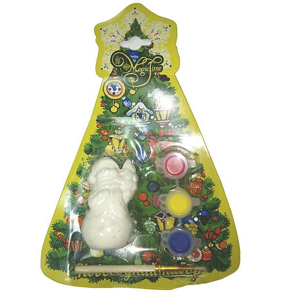 Новогодний набор для росписи Magic Time Снеговик с елочкойНовогодние наборы для творчества<br>Характеристики:<br>• возраст: от 2 лет;<br>• краски: акварельные;<br>• материал: доломитовая глина;<br>• размер: 8х5х5 см;<br>• вес: 78 гр;<br>• страна производитель: Китай;<br>• бренд: Magic Time;<br>• тип упаковки: блистерная.<br>Новогодний набор для творчества СНЕГОВИК С ЕЛОЧКОЙ бренда Magic Time представляет собой фигурку красивого снеговичка и елочки из доломитовой глины, набор из трех акварельных красок, красного, синего и желтого цветов, и удобную кисть из искусственного меха. Такой набор станет хорошим новогодним подарком для любого ребенка. Кроме того, впоследствии малыш сможет собрать целую коллекцию таких игрушек и раскрасить их по своему вкусу.<br>Цвета красок можно смешивать, тем самым получая новые оттенки, это поможет ребенку развить творческое мышление и проявить художественные способности. Такая игрушка станет отличным подарком для ребенка от двух лет. Когда фигурка будет готова, ее можно повесить на елку как украшение.<br>Игрушка и краски выполнены из экологически чистых материалов, которые не повредят ребенку и не вызовут у него аллергической реакции. Блистерная упаковка позволит сохранить игрушку в целости при перевозке и транспортировке.<br>Новогодний набор для творчества СНЕГОВИК С ЕЛОЧКОЙ можно купить в нашем интернет-магазине.<br>Ширина мм: 80; Глубина мм: 40; Высота мм: 40; Вес г: 78; Возраст от месяцев: 24; Возраст до месяцев: 2147483647; Пол: Унисекс; Возраст: Детский; SKU: 7223785;