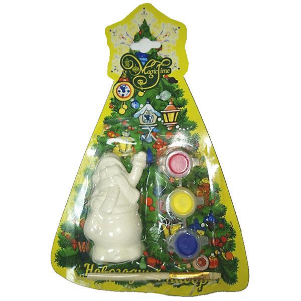 Новогодний набор для росписи Magic Time Снеговик с мешкомНовогодние наборы для творчества<br>Характеристики:<br>• возраст: от 2 лет;<br>• краски: акварельные;<br>• материал: доломитовая глина;<br>• размер: 8х5х5 см;<br>• вес: 78 гр;<br>• страна производитель: Китай;<br>• бренд: Magic Time;<br>• тип упаковки: блистерная.<br>Новогодний набор для творчества СНЕГОВИК С МЕШКОМ бренда Magic Time – это небольшая и легкая фигурка снеговичка с мешком подарков. Игрушка изготовлена из безопасной для здоровья белой доломитовой глины. В набор так же входят три цвета гипоаллергенных акварельных красок и тонкая кисть из искусственного меха, которая так же не вызовет у ребенка аллергии. Такой набор станет хорошим новогодним подарком для ребенка. Кроме того, впоследствии вы сможете подарить ребенку целую коллекцию таких игрушек и раскрасить их в одной цветовой гамме. Такими игрушками можно украсить как новогоднюю елку, так и задекорировать детали дома.<br>В наборе три цвета красок – синий, желтый и красный. Цвета красок можно смешивать, тем самым получая новые и неожиданные оттенки, это поможет ребенку развить творческое мышление. Такой подарок завладеет вниманием ребенка на очень долгое время и сделает его более усидчивым. Игрушка станет отличным подарком для ребенка от двух лет.<br>Упаковка снеговичка из плотного блистера, при ударе игрушка не ломается, глина не крошится. Благодаря блистерной упаковке появится возможность отправить подарок почтой – с ним ничего не случится.<br>Новогодний набор для творчества СНЕГОВИК С МЕШКОМ можно купить в нашем интернет-магазине.<br>Ширина мм: 80; Глубина мм: 40; Высота мм: 40; Вес г: 78; Возраст от месяцев: 24; Возраст до месяцев: 2147483647; Пол: Унисекс; Возраст: Детский; SKU: 7223792;