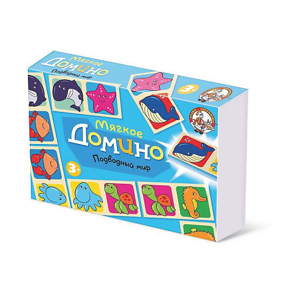 Домино мягкое Подводный мирДомино<br>Домино Подводный мир  - интересная игра и замечательная возможность родителей увлекательно и с пользой провести время со своим ребенком. Игра научит ребенка играть в коллективе, поможет развить у него логику, наблюдательность, способность к анализу ситуации. <br>Правила игры в домино простые: <br>     В домино играют от 2-х до 5 детей. Для двух игроков сдают по 7 косточек (фишек), если игроков больше, то по пять, из оставшихся фишек создается базар (банк). Первый ход начинает ребенок, у которого есть фишки с одинаковыми картинками (дубль). Если такие фишки есть у нескольких игроков или нет ни у кого, игру начинает младший из детей. Первую фишку ставят в центре игрового поля, если эта фишка- дубль, то ее размещают поперек игрового поля. Дальше все по очереди выкладывают картинку к картинке с любого края дорожки. У кого нет нужной картинки, берет фишки в банке до тех пор пока не найдет подходящую. Выигрывает тот, кто первый положит на стол свою последнюю фишку. <br>     Может сложиться такая ситуация, когда на стол выложить совсем нечего, а на руках у всех есть фишки. Такая ситуация называется рыбой. В ситуации рыба выигрывает тот, у кого на руках осталось меньше фишек. Играйте и выигрывайте!<br>Ширина мм: 280; Глубина мм: 195; Высота мм: 45; Вес г: 180; Возраст от месяцев: 684; Возраст до месяцев: 2147483647; Пол: Унисекс; Возраст: Детский; SKU: 7245721;