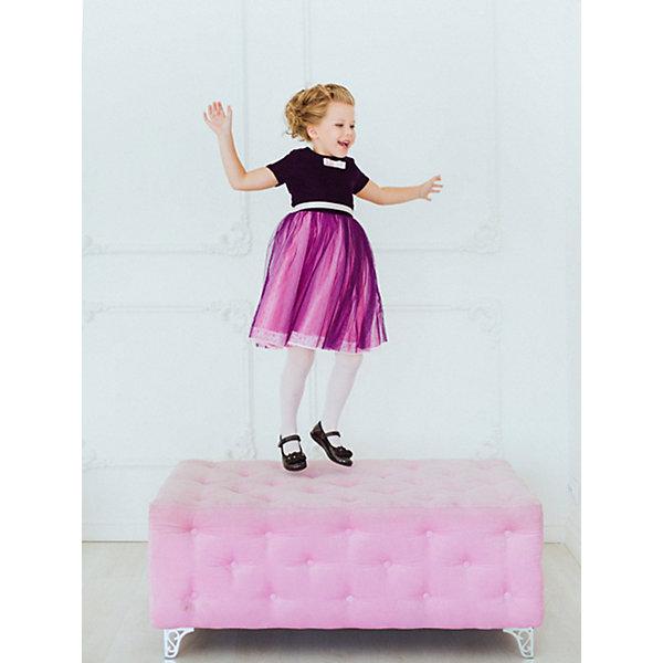 Платье нарядное Unona Dart для девочкиОдежда<br>Характеристики товара:<br><br>• цвет: фиолетовый;<br>• состав: 100% полиэстер;<br>• подкладка: 65% полиэстер, 35% хлопок;<br>• сезон: круглый год;<br>• особенности: нарядное, на подкладке, бархатное;<br>• застежка: молния на спинке;<br>• поясок-лента с бантом;<br>• с коротким рукавом;<br>• пышная юбка;<br>• страна бренда: Россия;<br>• страна изготовитель: Россия.<br><br>Нарядное платье с коротким рукавом для девочки. Длина до колена. Лиф из бархата декорирован бантом из репсовой ленты с кристаллом. Нежная сетка на юбке густо собрана, по низу юбки вышитое кружево. Платье застегивается на молнию. Дополнительное облегание достигается за счет пояса из репсовой ленты.<br><br>Нарядное платье Unona Dart (Юнона де Арт) можно купить в нашем интернет-магазине.