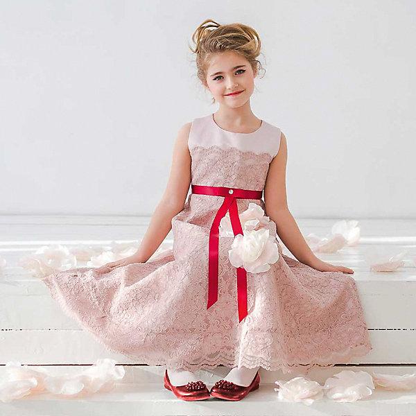 Платье нарядное Unona Dart для девочкиОдежда<br>Характеристики товара:<br><br>• цвет: розовый;<br>• состав: 100% полиэстер;<br>• подкладка: 65% полиэстер, 35% хлопок;<br>• сезон: круглый год;<br>• особенности: нарядное, на подкладке;<br>• застежка: молния на спинке;<br>• поясок-лента;<br>• без рукавов;<br>• завышенная талия;<br>• страна бренда: Россия;<br>• страна изготовитель: Россия.<br><br>Нарядное платье без рукавов для девочки. А-образный силуэт, слегка завышенная талия, длина до середины голени, великолепное тяжелое кружевное полотно, которым покрыто платье целиком. Платье в благородной темно-розовой цветовой гамме, акцентом служит сияющий кристалл на талии. Застегивается на молнию. Дополнительное облегание достигается за счет пояса из атласной ленты.<br><br>Нарядное платье Unona Dart (Юнона де Арт) можно купить в нашем интернет-магазине.<br>Ширина мм: 236; Глубина мм: 16; Высота мм: 184; Вес г: 177; Цвет: розовый; Возраст от месяцев: 96; Возраст до месяцев: 108; Пол: Женский; Возраст: Детский; Размер: 134,122,116,128; SKU: 7309069;