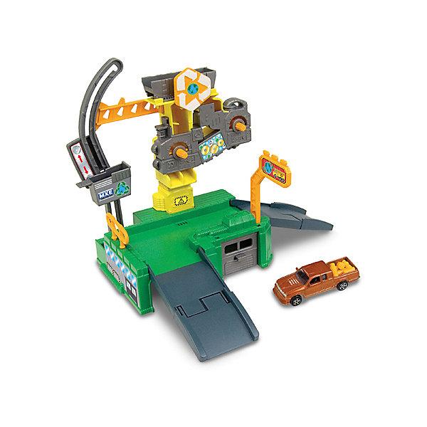 Игровой набор Autotime Megapolis Завод с машинойПарковки и гаражи<br>Характеристики:<br><br>• возраст: от 3 лет;<br>• тип игрушки:набор;<br>• материал: пластик, металл;<br>• размер: 15,5х21,6х6,4 см;<br>• вес: 390 гр;<br>• страна бренда: США;<br>• страна производитель: Китай;<br>• тип упаковки: коробка с окошком;<br>• бренд: Autogrand.<br><br>Набор транспортный Autogrand «MEGAPOLIS» завод с маш. 1:60 включает в себя здание из пластика и машинку в масштабе 1:60. Это новое поколение машинок, которые пришлись по вкусу мальчикам от трех лет и старше. С таким набором ребенок сможет разыгрывать увлекательные и захватывающие сюжеты. <br><br>Машина изготовлена из литого металла и пластмассы. Машинка сделана из безопасных материалов, разрешенных для детей. Так же красители, которыми окрашены все части автомобиля являются гипоаллергенными и не навредят здоровью ребенка. Игрушка прошла все необходимые проверки и получили все сертификаты качества.<br><br>Набор транспортный Autogrand «MEGAPOLIS» завод с маш. 1:60 можно купить в нашем интернет-магазине.<br>Ширина мм: 155; Глубина мм: 216; Высота мм: 64; Вес г: 390; Возраст от месяцев: 36; Возраст до месяцев: 2147483647; Пол: Мужской; Возраст: Детский; SKU: 7321071;