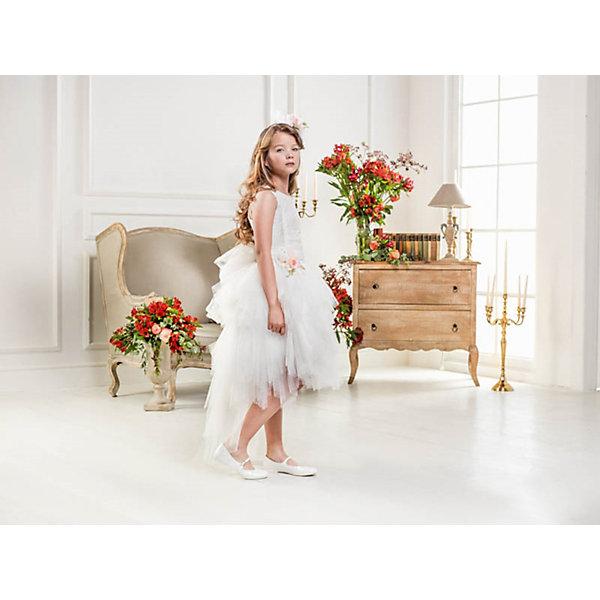 Нарядное платье Les Gamins для девочкиОдежда<br>Характеристики товара:<br><br>• цвет: белый;<br>• состав: 55% полиэстер, 45% вискоза;<br>• подкладка: 100% хлопок;<br>• сезон: круглый год;<br>• платье без рукавов;<br>• в комплекте: болеро и ободок;<br>• съемный цветок на поясе;<br>• платье украшено пайетками;<br>• страна бренда: Италия;<br>• страна изготовитель: Китай.<br><br>Нарядное платье Les Gamins для девочки. Верх платья Les Gamins Cerimonia расшит паетками, а юбка-пачка из нежного фатина будет самым любимым Вашей модницы. В комплект так же входит болеро и ободок с такими же цветком, как на поясе. Цветок можно легко отстегнуть.<br><br>Нарядное платье Les Gamins для девочки можно купить в нашем интернет-магазине.<br>Ширина мм: 236; Глубина мм: 16; Высота мм: 184; Вес г: 177; Цвет: белый; Возраст от месяцев: 120; Возраст до месяцев: 132; Пол: Женский; Возраст: Детский; Размер: 146,140,134,128,152; SKU: 7336978;