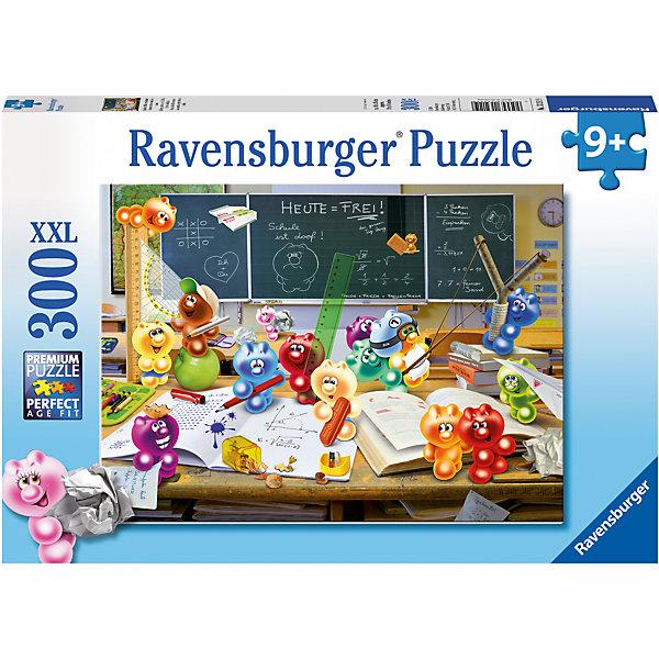 Пазл «Весёлый урок» XXL 300 штПазлы классические<br>Характеристики:<br><br>• тип игрушки: пазл;<br>• комплектация: 300 эл;<br>• размер картинки: 49х36 см;<br>• бренд: Ravensburger;<br>• упаковка: картон;<br>• размер: 34х4х23 см;<br>• вес: 548 гр;<br>• возраст: от 6 лет;<br>• материал: картон.<br><br>Пазл «Весёлый урок» XXL 300 шт представляет из себя увлекательную игру для детей от шести лет. Набор состоит из 300 деталей, выполненных из высококачественного картона. Из них предлагается собрать изображение маленьких желеек разного цвета, которые пытаются учиться в классе. Головоломки Ravensburger всегда отличаются высоким качеством полиграфии, изготовлены из экологичного сырья. Рисунок имеет матовую поверхность без бликов, напечатан на ламинированной бумаге. <br><br>Пазл сделан из плотного картона, с нанесением красочного рисунка и аккуратной вырубкой деталей с четкими гладкими краями, которые позволяют легко состыковывать элементы пазла между собой. Сборка данного пазла сможет увлечь детей и поспособствовать развитию логического мышления и усидчивости.  Они также развивают образное мышление, наблюдательность и внимательность, а также мелкую моторику и координацию движений рук.<br><br>Пазл «Весёлый урок» XXL 300 шт можно купить в нашем интернет-магазине.<br>Ширина мм: 340; Глубина мм: 40; Высота мм: 230; Вес г: 548; Возраст от месяцев: -2147483648; Возраст до месяцев: 2147483647; Пол: Унисекс; Возраст: Детский; SKU: 7376931;