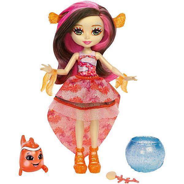 Кукла Enchantimals Морские подружки с друзьями Кларита и рыба-клоун, 15 смБренды кукол<br>Характеристики:<br><br>• возраст: от 4 лет;<br>• материал: пластмасса, текстиль;<br>• высота куклы: 15 см;<br>• герои: Кларита и рыбка-клоун;<br>• подвижные руки, ноги, голова у куклы, мягкие волосы;<br>• комплектация: кукла, аксессуары;<br>• вес в упаковке: 170 гр.;<br>• размеры упаковки: 25,6х22,9х5 см;<br>• упаковка: картонная коробка блистерного типа;<br>• страна бренда: США.<br><br>Кукла Enchantimals (Энчантималс) «Морские подружки с друзьями», включает в себя куклу Клариту и рыбку-клоуна, съемные аксессуары и предметы одежды. Кукла меняет цвет волос. Нужно нанеси холодную воду, чтобы изменить цвет, а чтобы вернуть всё назад, нанеси тёплую воду, можно повторять снова и снова.<br><br>Кукла не может стоять без опоры. Имеет подвижные руки и ноги, ее голова поворачивается. Волосы, можно расчесывать и делать новые прически, тем самым развивая у ребенка воображение и самовыражение. <br><br>Игровой набор Enchantimals (Энчантималс) «Морские подружки с друзьями» Кларита и рыбка-клоун, 15 см можно приобрести в нашем интернет-магазине.<br>Ширина мм: 256; Глубина мм: 229; Высота мм: 50; Вес г: 170; Возраст от месяцев: 36; Возраст до месяцев: 72; Пол: Женский; Возраст: Детский; SKU: 7440071;