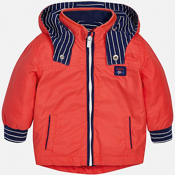 Куртка Mayoral для мальчикаВерхняя одежда<br>Характеристики товара:<br><br>• цвет: красный<br>• состав ткани: 100% полиэстер<br>• подкладка: 100% хлопок<br>• утеплитель: нет<br>• сезон: демисезон<br>• температурный режим: от +5 до +20<br>• особенности куртки: с капюшоном<br>• застежка: молния<br>• страна бренда: Испания<br>• стиль и качество<br><br>Яркая детская куртка сшита из качественного на материала. Демисезонная куртка для мальчика Mayoral дополнена удобными карманами. Теплая куртка для ребенка отличается прямым силуэтом. Детская куртка обеспечит ребенку тепло и стильный внешний вид. <br><br>Куртку Mayoral (Майорал) для мальчика можно купить в нашем интернет-магазине.<br>Ширина мм: 356; Глубина мм: 10; Высота мм: 245; Вес г: 519; Цвет: бордовый; Возраст от месяцев: 24; Возраст до месяцев: 36; Пол: Мужской; Возраст: Детский; Размер: 98,74,92,86,80; SKU: 7538379;