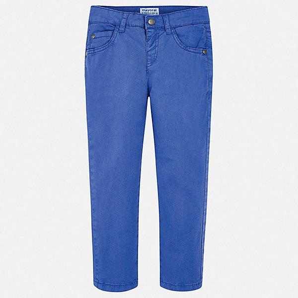 Брюки Mayoral для мальчикаБрюки<br>Характеристики товара:<br><br>• состав ткани: 98% хлопок, 2% эластан<br>• сезон: демисезон<br>• шлевки<br>• регулируемая талия<br>• застежка: пуговица<br>• страна бренда: Испания<br>• стиль и качество<br><br>Хлопковые брюки для мальчика от Майорал помогут обеспечить ребенку комфорт. Такие детские брюки отличаются лаконичным дизайном. В брюках классического силуэта для мальчика от испанской компании Майорал ребенок будет выглядеть модно, а чувствовать себя - комфортно. <br><br>Брюки Mayoral (Майорал) для мальчика можно купить в нашем интернет-магазине.<br>Ширина мм: 215; Глубина мм: 88; Высота мм: 191; Вес г: 336; Цвет: синий; Возраст от месяцев: 18; Возраст до месяцев: 24; Пол: Мужской; Возраст: Детский; Размер: 92,134,128,122,116,110,104,98; SKU: 7541661;