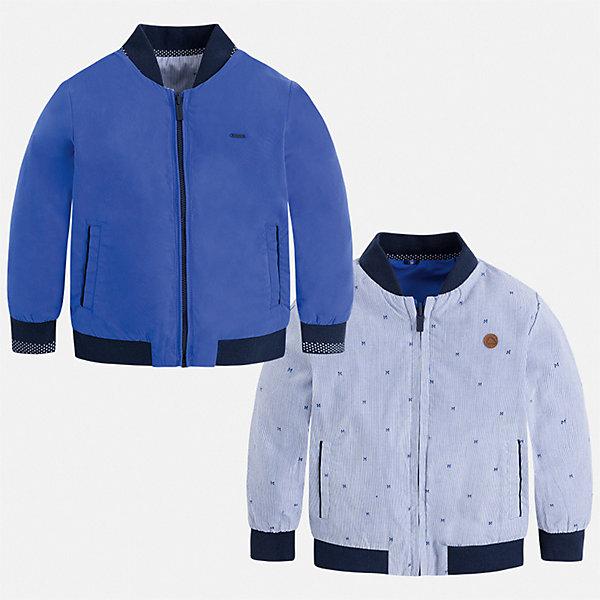 Куртка двусторонняя Mayoral для мальчикаВетровки и жакеты<br>Характеристики товара:<br><br>• цвет: синий<br>• состав ткани: 100% полиэстер<br>• подкладка: 65% полиэстер, 35% хлопок<br>• утеплитель: нет<br>• сезон: демисезон<br>• температурный режим: от +5 до +20<br>• особенности куртки: без капюшона, двусторонняя<br>• застежка: молния<br>• страна бренда: Испания<br>• неповторимый стиль Mayoral<br><br>Эта двусторонняя детская куртка сшита из качественного на материала. Демисезонная куртка для мальчика Mayoral дополнена удобными карманами. Теплая куртка для ребенка отличается прямым силуэтом. Детская куртка обеспечит ребенку тепло и стильный внешний вид. <br><br>Куртку двустороннюю Mayoral (Майорал) для мальчика можно купить в нашем интернет-магазине.