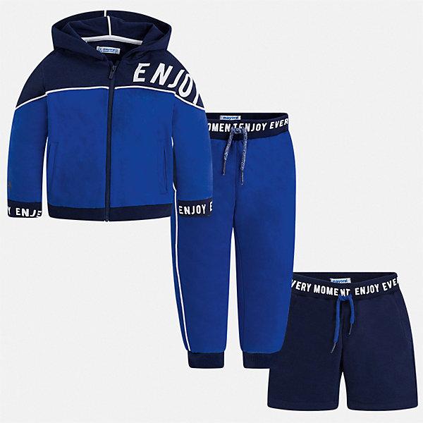 Спортивный костюм Mayoral для мальчикаКомплекты<br>Характеристики товара:<br><br>• цвет: синий<br>• комплектация: шорты, толстовка, брюки<br>• состав ткани: 80% хлопок, 20% полиэстер<br>• сезон: круглый год<br>• особенности модели: спортивный стиль<br>• застежка: молния<br>• пояс: резинка, шнурок<br>• длинные рукава<br>• страна бренда: Испания<br>• неповторимый стиль Mayoral<br><br>Спортивные шорты, толстовка, брюки для ребенка от Майорал помогут обеспечить ребенку комфорт. В этом детском спортивном костюме - сразу три стильные вещи. В спортивном костюме для детей от испанской компании Майорал ребенок будет выглядеть модно, а чувствовать себя - комфортно. <br><br>Спортивный костюм Mayoral (Майорал) для мальчика можно купить в нашем интернет-магазине.<br>Ширина мм: 247; Глубина мм: 16; Высота мм: 140; Вес г: 225; Цвет: синий; Возраст от месяцев: 36; Возраст до месяцев: 48; Пол: Мужской; Возраст: Детский; Размер: 104,134,128,122,116,110,98,92; SKU: 7543628;