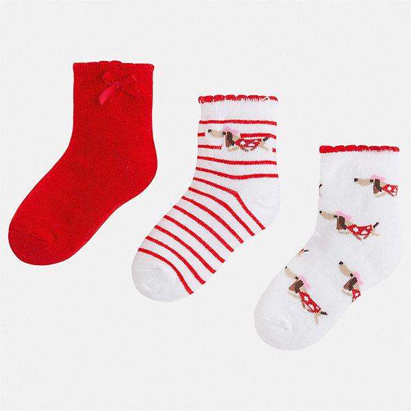 Комплект:3 пары носок Mayoral для девочкиНоски<br>Характеристики товара:<br><br>• цвет: красный<br>• комплектация: 3 пары<br>• состав ткани: 74% хлопок, 33% полиамид, 3% эластан<br>• сезон: круглый год<br>• страна бренда: Испания<br>• стиль и качество Mayoral<br><br>Яркие носки для детей комфортно сидят благодаря мягкой резинке. Для производства детской одежды, в том числе и носков для детей, популярный бренд Mayoral используют только качественные материалы. Оригинальные и модные вещи от Майорал неизменно привлекают внимание и нравятся детям. Эти детские носки от популярного испанского бренда Mayoral состоят преимущественно из натурального дышащего хлопка. <br><br>Комплект: 3 пары носков Mayoral (Майорал) для девочки можно купить в нашем интернет-магазине.<br>Ширина мм: 87; Глубина мм: 10; Высота мм: 105; Вес г: 115; Цвет: красный; Возраст от месяцев: 48; Возраст до месяцев: 60; Пол: Женский; Возраст: Детский; Размер: 27-29,33-35,30-32,24-26; SKU: 7552581;