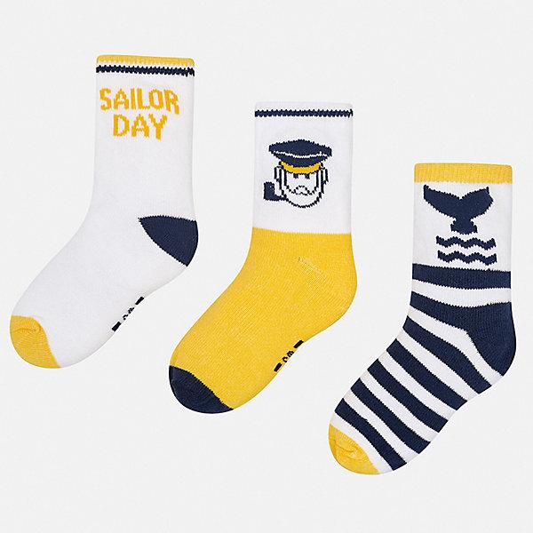 Комплект:3 пары носок Mayoral для мальчикаНоски<br>Характеристики товара:<br><br>• цвет: желтый<br>• комплектация: 3 пары<br>• состав ткани: 70% хлопок, 27% полиамид, 3% эластан<br>• сезон: круглый год<br>• страна бренда: Испания<br>• неповторимый стиль Mayoral<br><br>Симпатичный набор носков для мальчика от Майорал симпатично смотрится, они комфортно сидят благодаря качественному дышащему трикотажу. Эти детские носки, как и вся одежда от испанской компании Mayoral, отличаются оригинальным и стильным дизайном. Удобные детские носки Mayoral обеспечат ребенку комфорт и аккуратный внешний вид. <br><br>Комплект: 3 пары носков Mayoral (Майорал) для мальчика можно купить в нашем интернет-магазине.<br>Ширина мм: 87; Глубина мм: 10; Высота мм: 105; Вес г: 115; Цвет: желтый; Возраст от месяцев: 18; Возраст до месяцев: 24; Пол: Мужской; Возраст: Детский; Размер: 22-24,19-22; SKU: 7556813;