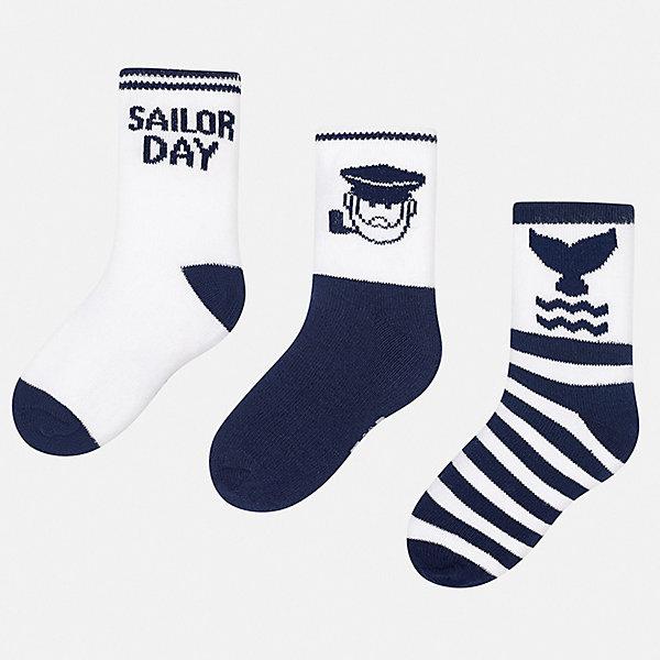 Комплект:3 пары носок Mayoral для мальчикаНоски<br>Характеристики товара:<br><br>• цвет: синий<br>• комплектация: 3 пары<br>• состав ткани: 70% хлопок, 27% полиамид, 3% эластан<br>• сезон: круглый год<br>• страна бренда: Испания<br>• неповторимый стиль Mayoral<br><br>Трикотажные носки для детей комфортно сидят благодаря мягкой резинке. Такие детские носки от популярного испанского бренда Mayoral состоят преимущественно из натурального дышащего хлопка. Для производства носков для детей популярный бренд Mayoral используют только качественные материалы. <br><br>Комплект: 3 пары носков Mayoral (Майорал) для мальчика можно купить в нашем интернет-магазине.<br>Ширина мм: 87; Глубина мм: 10; Высота мм: 105; Вес г: 115; Цвет: синий; Возраст от месяцев: 120; Возраст до месяцев: 132; Пол: Мужской; Возраст: Детский; Размер: 19-22,22-24; SKU: 7556819;