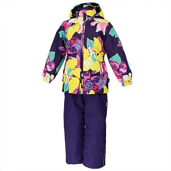 Комплект YONNE Huppa для девочекКомплекты<br>Характеристики товара:<br><br>• цвет: тёмно-фиолетовый принт/тёмно-фиолетовый; <br>• модель: Yonne;<br>• состав: 100% полиэстер;<br>• подкладка: 100% полиэстер, тафта;<br>• утеплитель: 100% полиэстер, куртка - 100 гр., полукомбинезон – 40 гр.;<br>• сезон: демисезон;<br>• температурный режим: от -5 до +10С;<br>• водонепроницаемость: куртка 5000, брюки 10000 мм ;<br>• воздухопроницаемость: куртка 5000, брюки 10000 г/м2/24ч;<br>• ветронепродуваемый;<br>• застежка: молния с защитой подбородка, брюки на молнии и пуговице;<br>• сидельный шов проклеен;<br>• съёмный капюшон на кнопках;<br>• эластичная резинка по кромке капюшона;<br>• манжеты рукавов на мягкой эластичной резинке;<br>• регулируемый низ брючин;<br>• шнурок-утяжка со стопером по низу брючин;<br>• два прорезных кармана у куртки;<br>• брюки на съёмных эластичных подтяжках;<br>• внутренние петли для подтяжек;<br>• светоотражающие элементы;<br>• страна бренда: Эстония;<br>• страна изготовитель: Эстония.<br><br>Утепленный комплект сделан из материала, отталкивающего воду, дополнен подкладкой из тафты и утеплителем, поэтому изделие идеально подходит для межсезонья. Материал изделия - с мембранной технологией: защищает от влаги и ветра, ветронепродуваемый. Демисезонный комплект застёгивается на молнию, манжеты рукавов на мягкой эластичной резинке. Брюки со съёмными подтяжками и регулируемым низом штанин с утяжкой-стопером.<br><br>Комплект YONNE 1 от бренда Huppa (Хуппа) можно купить в нашем интернет-магазине.<br>Ширина мм: 356; Глубина мм: 10; Высота мм: 245; Вес г: 519; Цвет: лиловый; Возраст от месяцев: 84; Возраст до месяцев: 96; Пол: Женский; Возраст: Детский; Размер: 128,152,146,140,134; SKU: 7571524;