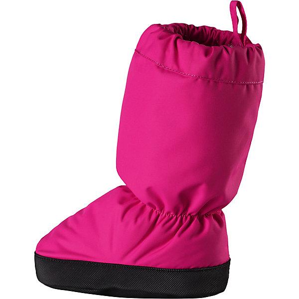 Пинетки Hiipii Reima для девочкиПинетки и царапки<br>Характеристики товара:<br><br>• цвет: розовый;<br>• состав: 100% полиамид, полиуретановое покрытие;<br>• подкладка: 100% полиэстер, с начёсом;<br>• утеплитель: 100% полиэстер, 60 гр/м2;<br>• сезон: демисезон;<br>• температурный режим: от -5 до +10С;<br>• водонепроницаемость: 15000 мм;<br>• воздухопроницаемость: 7000 мм;<br>• износостойкость: 40000 циклов (тест Мартиндейла);<br>• без застёжки;<br>• водо- и грязеотталкивающая пропитка без содержания фторуглеродов BIONIC-FINISH®ECO;<br>• ветронепроницаемый и грязеотталкивающий материал;<br>• водонепроницаемый материал, вставки отсутствуют;<br>• прочный материал;<br>• подкладка из полиэстера с начёсом;<br>• антискользящая поверхность подошвы;<br>• можно сушить в барабане;<br>• светоотражающие элементы;<br>• страна бренда: Финляндия.<br><br>Эти эластичные, теплые и удобные пинетки для малышей просто идеальны для прогулок в коляске. Пинетки изготовлены из ветро- и водонепроницаемого, грязеотталкивающего материала, которому не страшны брызги и небольшой дождик. Их очень легко надевать благодаря эластичным резинкам на голени и щиколотке! <br><br>Нескользящая подошва не даст малышу упасть на скользкой поверхности. Обратите внимание: несмотря на водонепроницаемый материал, сами пинетки могут промокать. Длина стопы в размере 0 = 12 см., 1 = 14 см., а в размере 2 = 16 см.<br><br>Пинетки Reima от финского бренда Reima (Рейма) можно купить в нашем интернет-магазине.<br>Ширина мм: 152; Глубина мм: 126; Высота мм: 93; Вес г: 242; Цвет: розовый; Возраст от месяцев: 0; Возраст до месяцев: 12; Пол: Женский; Возраст: Детский; Размер: 0,2,1; SKU: 7628707;