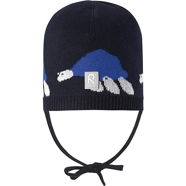 Шапка Kuohu Reima для мальчикаШапки и шарфы<br>Характеристики товара:<br><br>• цвет: синий;<br>• состав: 100% хлопок;<br>• без подкладки;<br>• без дополнительного утепления;<br>• сезон: демисезон;<br>• температурный режим: от +5 до +15С;<br>• застёжка: шапка на завязках;<br>• товар сертифицирован Oeko-Tex;<br>• лёгкий стиль, без подкладки;<br>• хлопчатобумажная ткань;<br>• жаккардовая вязка;<br>• светоотражающие элементы;<br>• страна бренда: Финляндия.<br><br>Шапка из эластичного и удобного хлопкового трикотажа для малышей. Эта шапка представляет собой облегченную модель без подкладки, поэтому идеально подойдет для прохладных летних вечеров. Симпатичный рисунок отлично сочетается с расцветками курток и комбинезонов этого сезона! Шапка сертифицирована по стандарту Oeko-tex.<br><br>Шапку Reima от финского бренда Reima (Рейма) можно купить в нашем интернет-магазине.<br>Ширина мм: 89; Глубина мм: 117; Высота мм: 44; Вес г: 155; Цвет: синий; Возраст от месяцев: 9; Возраст до месяцев: 12; Пол: Унисекс; Возраст: Детский; Размер: 48,44,52; SKU: 7628804;