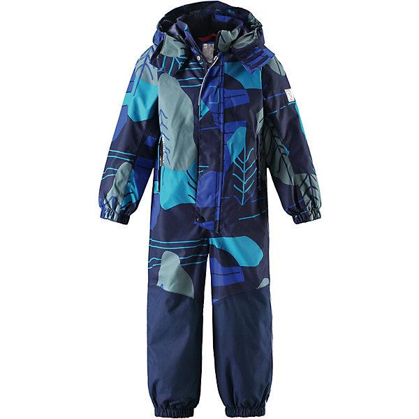 Комбинезон Tour Reimatec® Reima для мальчикаОдежда<br>Характеристики товара:<br><br>• цвет: синий принт;<br>• состав: 100% полиамид, полиуретановое покрытие;<br>• подкладка: 100% полиэстер;<br>• без дополнительного утепления;<br>• сезон: демисезон;<br>• температурный режим: от +5° до +15°С;<br>• водонепроницаемость: 15000/12000 мм;<br>• воздухопроницаемость: 7000/8000 мм;<br>• износостойкость: 40000/80000 циклов (тест Мартиндейла);<br>• застёжка: молния с защитой подбородка;<br>• все швы проклеены и не пропускают влагу;<br>• водо- и ветронепроницаемый, «дышащий» и грязеотталкивающий материал;<br>• водо- и грязеотталкивающая пропитка без содержания фторуглеродов BIONIC-FINISH®ECO<br>• очень прочный материал в нижней части изделия, внутренние швы отсутствуют;<br>• сетчатая подкладка вдоль тела, гладкая подкладка из полиэстера на рукавах и брючинах;<br>• безопасный съёмный и регулируемый капюшон;<br>• эластичные манжеты на рукавах и брючинах;<br>• внутренняя регулировка обхвата талии;<br>• карман со специальными креплениями для сенсора ReimaGO® в моделях 104 размера и более;<br>• два кармана на молнии;<br>• силиконовые штрипки;<br>• светоотражающие детали;<br>• страна бренда: Финляндия.<br><br>Демисезонный комбинезон Reimatec® изготовлен из высокопрочного, но мягкого и дышащего материала Reimatec®. Этот комбинезон для самых подвижных детей – ветронепроницаемый, грязеотталкивающий и абсолютно водонепроницаемый, ведь все швы в нем проклеены. Снабжен удобной сетчатой подкладкой и завязками на талии. <br><br>Нижняя часть сшита из невероятно прочного материала и без внутренних швов на концах брючин, так что ноги не намокнут. Прочные силиконовые штрипки на дают концам брючин забиваться под обувь – даже если комбинезон еще слегка великоват. Невероятно удобный, практичный и прочный комбинезон для любых занятий на свежем воздухе – играй сколько хочешь!<br><br>Комбинезон Reima от финского бренда Reima (Рейма) можно купить в нашем интернет-магазине.<br>Ширина мм: 356; Глубина мм:
