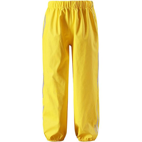 Непромокаемые брюки Oja ReimaОдежда<br>Характеристики товара:<br><br>• цвет: жёлтый;<br>• состав: 100% полиамид, полиуретановое покрытие;<br>• без подкладки;<br>• без дополнительного утепления;<br>• сезон: демисезон;<br>• водонепроницаемость: 10000 мм;<br>• застёжка: брюки на резинке;<br>• запаянные швы, не пропускающие влагу;<br>• эластичный материал;<br>• без ПВХ;<br>• эластичная талия;<br>• эластичные манжеты на брючинах;<br>• съемные штрипки в размерах от 104 до 128 см;<br>• светоотражающие детали;<br>• страна бренда: Финляндия.<br><br>Эти классические детские брюки для дождливой погоды очень просторные – под них можно свободно поддеть теплую одежду. Запаянные швы не пропустят вовнутрь ни одной капельки, ведь эти прочные непромокаемые брюки специально созданы для максимальной защиты во время веселых игр под дождем. Благодаря эластичной талии брюки отлично сидят, а съемные штрипки в размерах 104-128 см не дают брючинам задираться. Светоотражающие детали помогут лучше разглядеть ребенка в темное время суток. Материал не содержит ПВХ.<br><br>Брюки Reima от финского бренда Reima (Рейма) можно купить в нашем интернет-магазине.