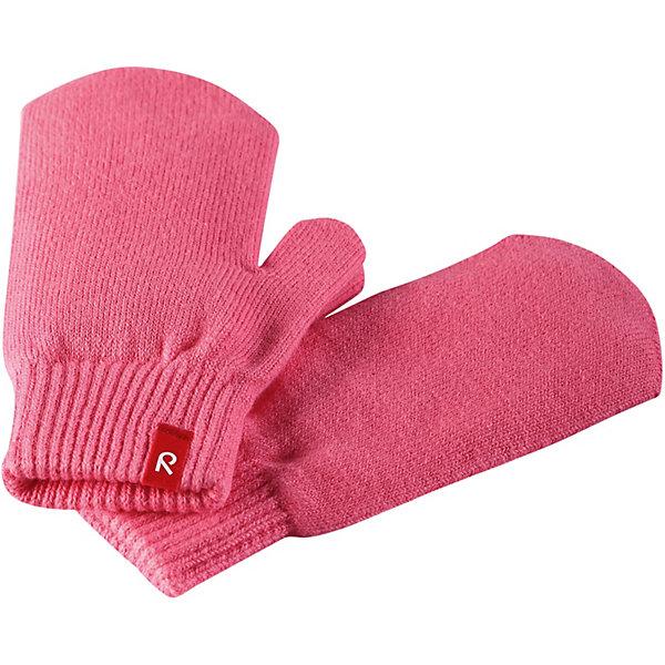 Варежки Klistra ReimaПерчатки и варежки<br>Характеристики товара:<br><br>• цвет: розовый;<br>• состав: 90% хлопок, 9% полиэстер, 1% эластан;<br>• без подкладки;<br>• без дополнительного утепления;<br>• сезон: демисезон;<br>• температурный режим: от -5 до +15С;<br>• специальный материал обеспечивает дополнительный комфорт;<br>• хлопчатобумажная ткань;<br>• эластичный материал;<br>• эластичный кант на манжетах;<br>• страна бренда: Финляндия.<br><br>Эти удобные варежки из мягкого хлопка можно носить под водонепроницаемые варежки, а в сухую погоду – отдельно. Изготовлены из хлопчатобумажного трикотажа высокого качества и легко стираются в стиральной машине.<br><br>Варежки Reima от финского бренда Reima (Рейма) можно купить в нашем интернет-магазине.<br>Ширина мм: 162; Глубина мм: 171; Высота мм: 55; Вес г: 119; Цвет: розовый; Возраст от месяцев: 6; Возраст до месяцев: 18; Пол: Унисекс; Возраст: Детский; Размер: 1,7,5,3; SKU: 7633463;