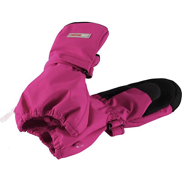 Варежки Askare Reimatec® ReimaВарежки<br>Характеристики товара:<br><br>• цвет: розовый;<br>• состав: 100% полиамид, полиуретановое покрытие;<br>• подкладка: 100% полиэстер, флис;<br>• без дополнительного утепления;<br>• сезон: демисезон;<br>• температурный режим: от 0 до +15С;<br>• водонепроницаемость: 15000 мм;<br>• воздухопроницаемость: 7000 мм;<br>• износостойкость: 40000 циклов (тест Мартиндейла);<br>• застёжка: ремешок-утяжка на липучке;<br>• полная водонепроницаемость и «дышащая» способность благодаря вставке Hipora;<br>• водоотталкивающий, ветронепроницаемый и грязеотталкивающий материал;<br>• водо- и грязеотталкивающая пропитка без содержания фторуглеродов BIONIC-FINISH®ECO;<br>• прочный материал;<br>• усиленные накладки на ладонях и больших пальцах;<br>• сплошная подкладка: мягкий тёплый флис;<br>• светоотражающие элементы;<br>• страна бренда: Финляндия.<br><br>Демисезонные варежки для малышей и детей постарше стали хитом продаж Reima благодаря своим суперхарактеристикам: они абсолютно водо- и ветронепроницаемые, но при этом дышащие. Теплая флисовая подкладка и усиления на ладонях, кончиках пальцев и на большом пальце гарантируют, что ваш ребенок сможет весело и активно гулять на свежем воздухе в любую погоду. <br><br>Носить эти удобные и эластичные варежки – одно удовольствие. Спереди они снабжены удобной застежкой на липучке. В холодную погоду мы рекомендуем поддевать под них теплые варежки. Эти варежки пригодны для сушки в барабане – их быстро стирать и сушить.<br><br>Варежки Reima от финского бренда Reima (Рейма) можно купить в нашем интернет-магазине.<br>Ширина мм: 162; Глубина мм: 171; Высота мм: 55; Вес г: 119; Цвет: розовый; Возраст от месяцев: 12; Возраст до месяцев: 24; Пол: Женский; Возраст: Детский; Размер: 5,4,3,2,6; SKU: 7633542;