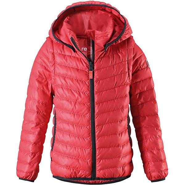 Пуховик Float Reima для девочкиОдежда<br>Характеристики товара:<br><br>• цвет: красный;<br>• состав: 100% полиэстер;<br>• подкладка: 100% полиэстер;<br>• утеплитель: 80% пух, 20% перо;<br>• сезон: демисезон;<br>• температурный режим: от -10 до +10С;<br>• водонепроницаемость: 5000 мм;<br>• воздухопроницаемость: 8000 мм;<br>• износостойкость: 15000 циклов (тест Мартиндейла);<br>• застёжка: молния с защитой подбородка;<br>• пуховая куртка для подростков;<br>• из ветронепроницаемого материала, но изделие дышит;<br>• лёгкий водоотталкивающий и «дышащий» материал;<br>• водо- и грязеотталкивающая пропитка без содержания фторуглеродов BIONIC-FINISH®ECO;<br>• в качестве утеплителя использованы пух и перо (80%/20%);<br>• гладкая подкладка из полиэстера;<br>• безопасный, съёмный капюшон;<br>• эластичная резинка на кромке капюшона, манжетах и подоле;<br>• куртка превращается в жилет, нужно только отстегнуть рукава;<br>• два боковых кармана;<br>• светоотражающие элементы;<br>• страна бренда: Финляндия.<br><br>Этот практичный пуховик для подростков – легкий, как перышко! К тому же, это модель 2-в-1: можно отстегнуть рукава и носить его как жилет! Пуховик изготовлен из материала рип-стоп, поэтому он ветронепроницаемый и дышащий. Благодаря легкому утеплению вашему ребенку будет тепло во время веселых весенних прогулок. Эта куртка оснащена множеством полезных деталей. Вы оцените удобные боковые карманы и гладкую конструкцию молнии – ни один зубчик больше не застрянет!<br><br>Пуховик Reima от финского бренда Reima (Рейма) можно купить в нашем интернет-магазине.<br>Ширина мм: 356; Глубина мм: 10; Высота мм: 245; Вес г: 519; Цвет: красный; Возраст от месяцев: 84; Возраст до месяцев: 96; Пол: Женский; Возраст: Детский; Размер: 128,122,116,110,104,164,158,152,146,140,134; SKU: 7633938;