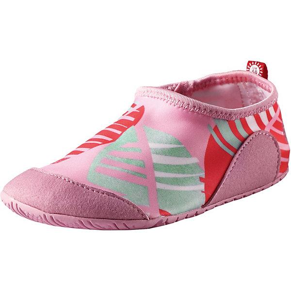 Тапки Twister Reima для девочкиОбувь<br>Характеристики товара:<br><br>• цвет: розовый принт;<br>• внешний материал: 90% полиэстер, 10% эластан;<br>• внутренний материал: этиленвинилацетат;<br>• стелька: этиленвинилацетат;<br>• подошва: резина;<br>• сезон: лето;<br>• верх из быстросохнущего текстиля и синтетических материалов;<br>• верх из солнцезащитного материала и текстиля;<br>• подошва из термопластичного каучука обеспечивает хорошее сцепление с поверхностью;<br>• предотвращающие скольжение накладки на подошвах;<br>• не маркирующие подошвы;<br>• съёмные стельки;<br>• легко надеваются на ноги;<br>• фактор защиты от ультрафиолета 50+;<br>• Reima SunProof®;<br>• можно стирать в машине при температуре 30°C;<br>• страна бренда: Финляндия.<br><br>Идеальные тапки для пляжа или бассейна. Верх изготовлен из солнцезащитного, быстросохнущего материала, а подошва – из нескользящей резины. Рисунок протектора позволяет воде свободно вытекать из-под ног во время занятий в бассейне, а резиновый материал защищает маленькие ножки от стекла и острых палочек на пляже. Эти тапки легко надеваются и пригодны для машинной стирки, к тому же их можно использовать как тапочки для дома или детского сада.<br><br>Тапки Reima от финского бренда Reima (Рейма) можно купить в нашем интернет-магазине.<br>Ширина мм: 248; Глубина мм: 135; Высота мм: 147; Вес г: 256; Цвет: розовый; Возраст от месяцев: 108; Возраст до месяцев: 120; Пол: Женский; Возраст: Детский; Размер: 33,32,31,38,30,28,37,27,36,26,25,35,24,34,29; SKU: 7634795;