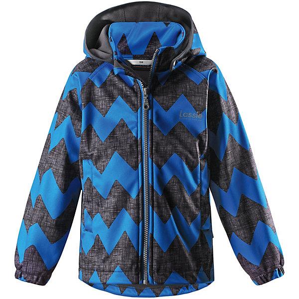 Куртка Lassie для мальчикаОдежда<br>Характеристики товара:<br><br>• цвет: синий;<br>• состав: 100% полиэстер, полиуретановое покрытие;<br>• подкладка: 100% полиэстер, флис;<br>• без дополнительного утепления;<br>• сезон: демисезон;<br>• температурный режим: от +5° до +15°С;<br>• водонепроницаемость: 5000 мм;<br>• воздухопроницаемость: 4000 мм;<br>• застёжка: молния с защитой подбородка;<br>• из ветронепроницаемого материала, но изделие дышит;<br>• все швы проклеены и водонепроницаемы;<br>• флис на оборотной стороне;<br>• безопасный съёмный капюшон;<br>• эластичная резинка на кромке капюшона;<br>• эластичные манжеты;<br>• два передних кармана;<br>• светоотражающие детали;<br>• страна бренда: Финляндия.<br><br>Куртка изготовлена из водоотталкивающей и ветрозащитной ткани. Материал отличается высокой устойчивостью к трению, благодаря специальной обработке полиуретаном поверхность изделия отталкивает грязь и воду, что облегчает поддержание аккуратного вида одежды, дышащее покрытие с изнаночной части не раздражает даже самую нежную и чувствительную кожу ребенка, обеспечивая ему наибольший комфорт. <br><br>Куртка застегивается на пластиковую застежку-молнию с защитой подбородка, благодаря чему ее легко надевать и снимать. Края рукавов дополнены неширокими эластичными манжетами. Спереди куртка дополнена двумя прорезными кармашками. Также модель дополнена светоотражающими элементами для безопасности в темное время суток. Все швы проклеены, не пропускают влагу и ветер.<br><br>Куртку Lassie (Ласси) можно купить в нашем интернет-магазине.<br>Ширина мм: 356; Глубина мм: 10; Высота мм: 245; Вес г: 519; Цвет: синий; Возраст от месяцев: 96; Возраст до месяцев: 108; Пол: Мужской; Возраст: Детский; Размер: 134,128,122,116,110,104,98,92,140; SKU: 7635671;