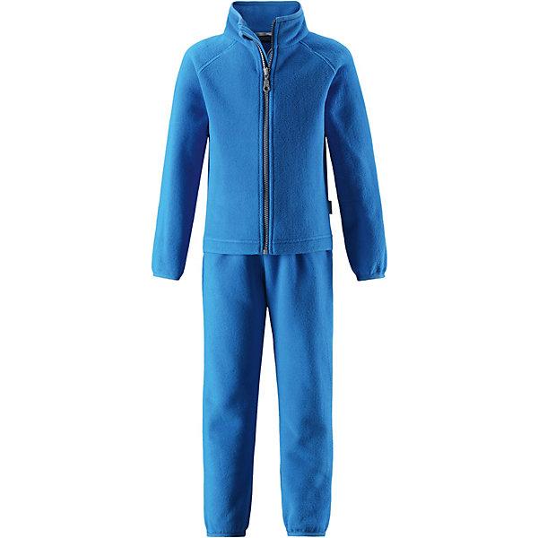Флисовый комплект Lassie для мальчикаФлис и термобелье<br>Характеристики товара:<br><br>• цвет: синий;<br>• состав: 100% полиэстер, флис 200 гр. м/2;<br>• сезон: демисезон;<br>• застёжка: молния с защитой подбородка;<br>• выводит влагу в верхние слои одежды;<br>• дышащий, тёплый и быстросохнущий флис;<br>• эластичный воротник, манжеты на рукавах и брючинах;<br>• эластичная талия;<br>• брюки на резинке;<br>• страна бренда: Финляндия.<br><br>Очень удобный, гладкий флисовый комплект на прохладный день. Можно использовать как верхнюю одежду в сухую погоду весной и осенью или поддевать в качестве промежуточного слоя в холода. Высококачественный полярный флис – это прочный, водоотталкивающий, ветронепроницаемый и дышащий материал. И, конечно же, теплый и легкий – идеальный вариант для активных прогулок. Комплект отлично сидит по фигуре благодаря эластичной регулируемой талии и регулируемым концам брючин в брюках и эластичному подолу и манжетам в куртке. Молния во всю длину и гладкая подкладка из полиэстера облегчают процесс одевания.<br><br>Комплект Lassie (Ласси) можно купить в нашем интернет-магазине.<br>Ширина мм: 219; Глубина мм: 11; Высота мм: 262; Вес г: 314; Цвет: синий; Возраст от месяцев: 18; Возраст до месяцев: 24; Пол: Унисекс; Возраст: Детский; Размер: 92,140,134,128,122,116,110,104,98; SKU: 7635917;